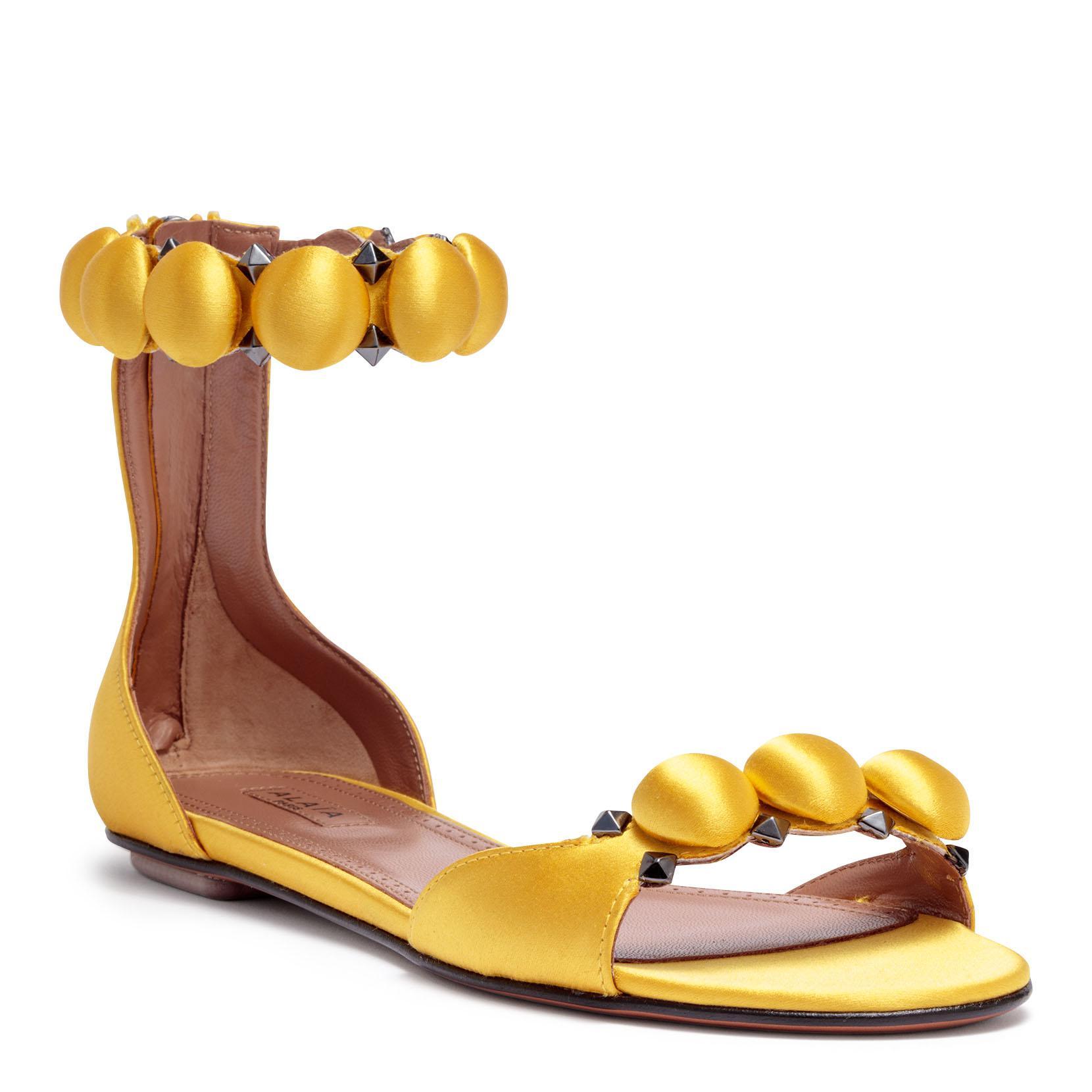 Exclusive Online Big Discount Cheap Price Yellow satin bomb flat sandals Alaia W359vKWFv3