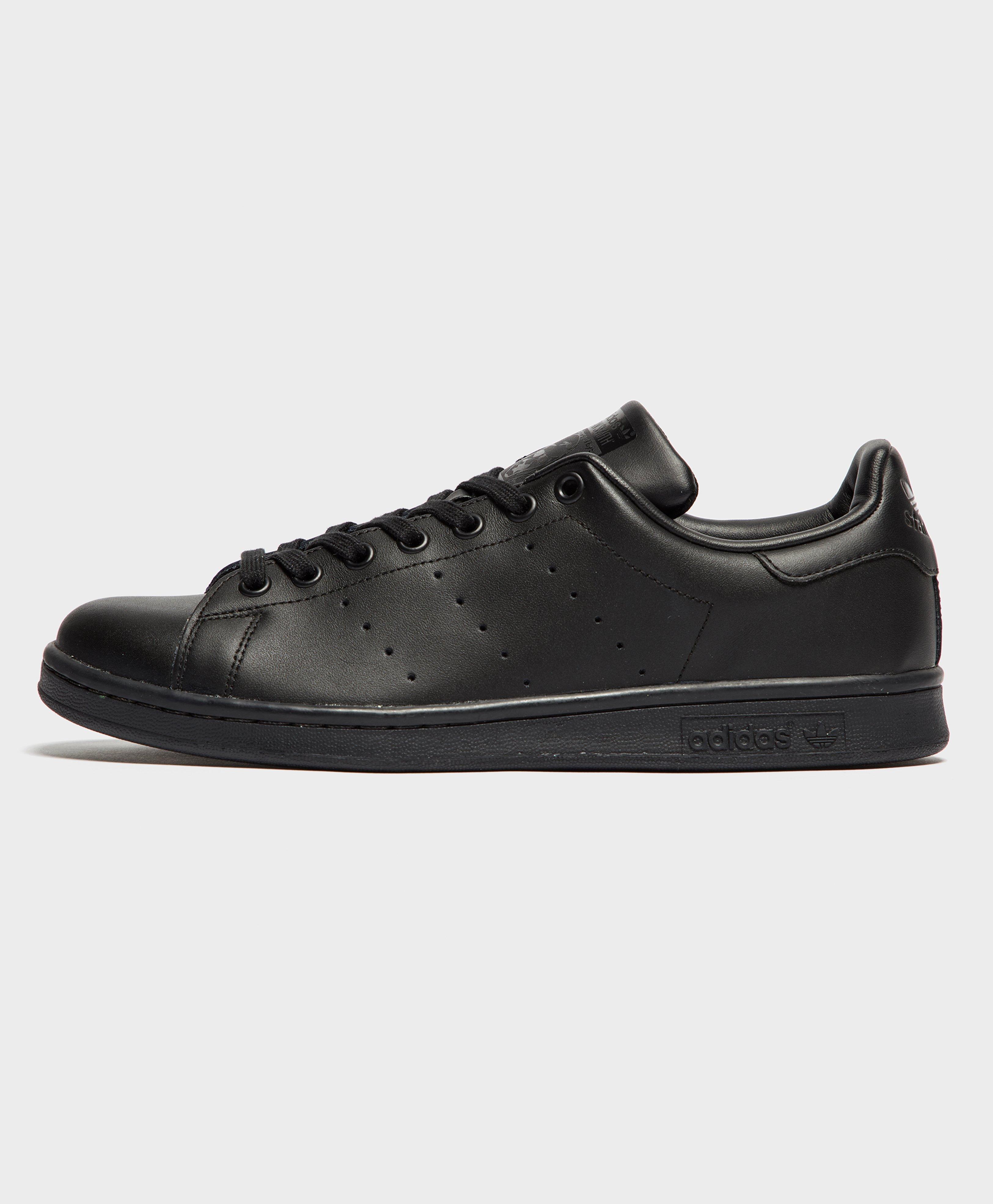 adidas Originals Stan Smith in Black for Men - Lyst b876aaabb