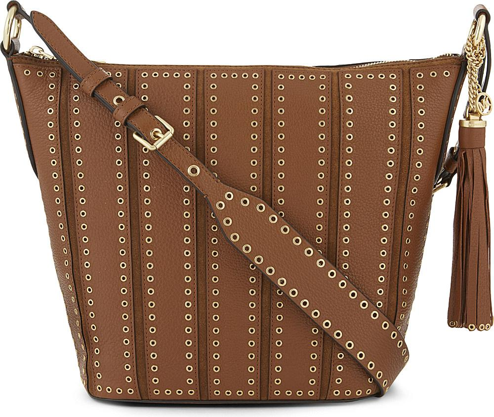 e5e327a3d848 Lyst - MICHAEL Michael Kors Brooklyn Leather Feed Bag in Brown