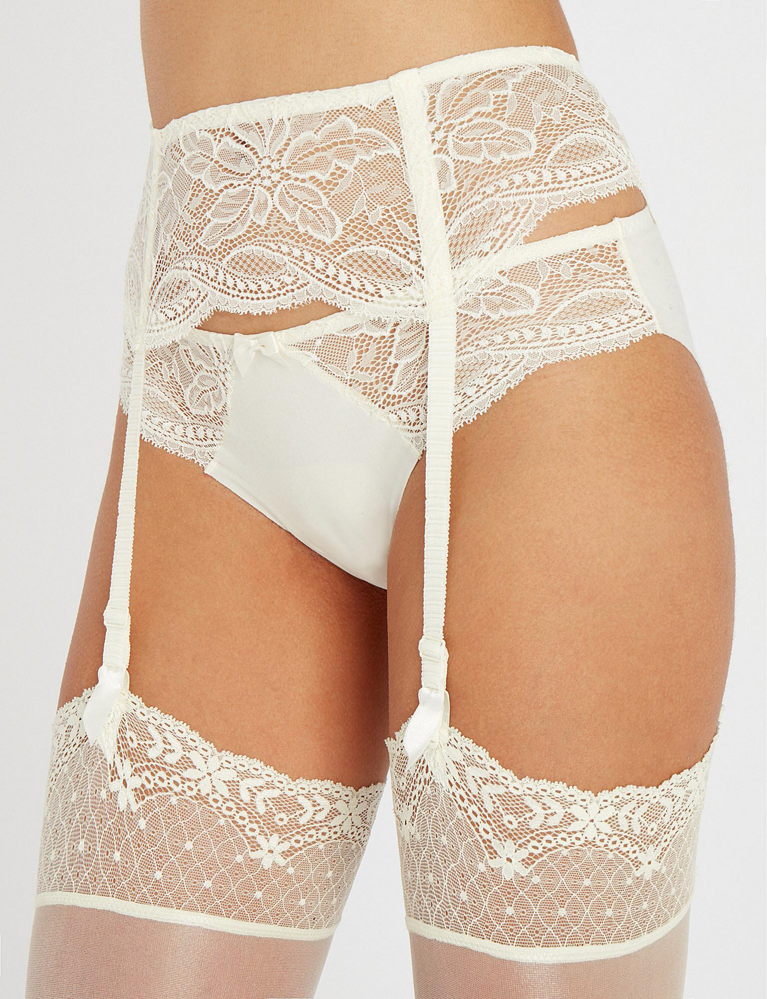 92758a34aca Simone Perele Eden Lace Suspender Belt in White - Lyst