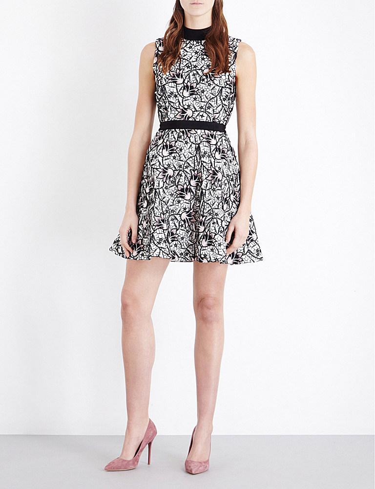 56d327da7b88 Self-Portrait Nightshade Guipure-lace Mini Dress in Black - Lyst