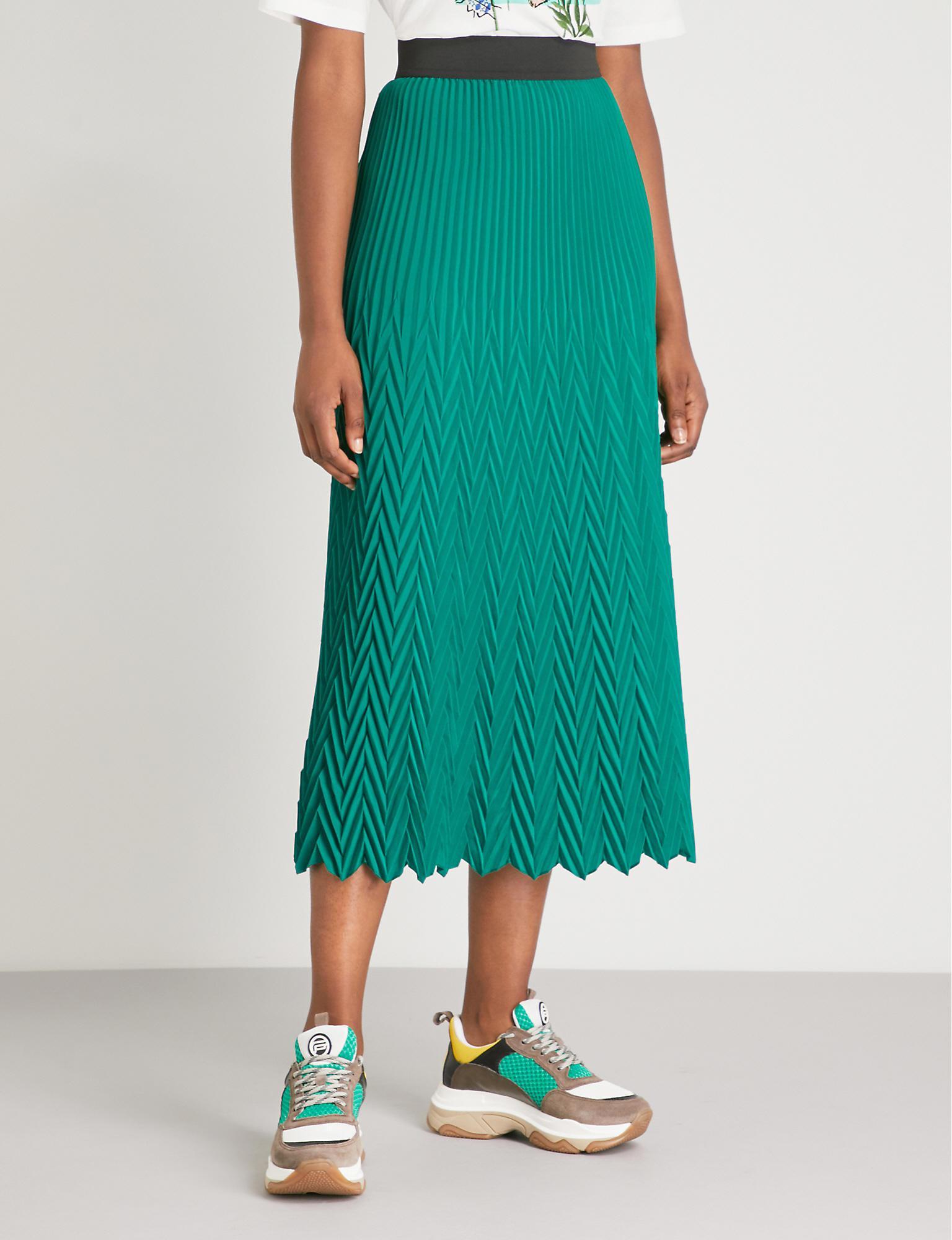 efc63672a1 Maje - Green Herringbone Pleated Maxi Skirt - Lyst. View fullscreen