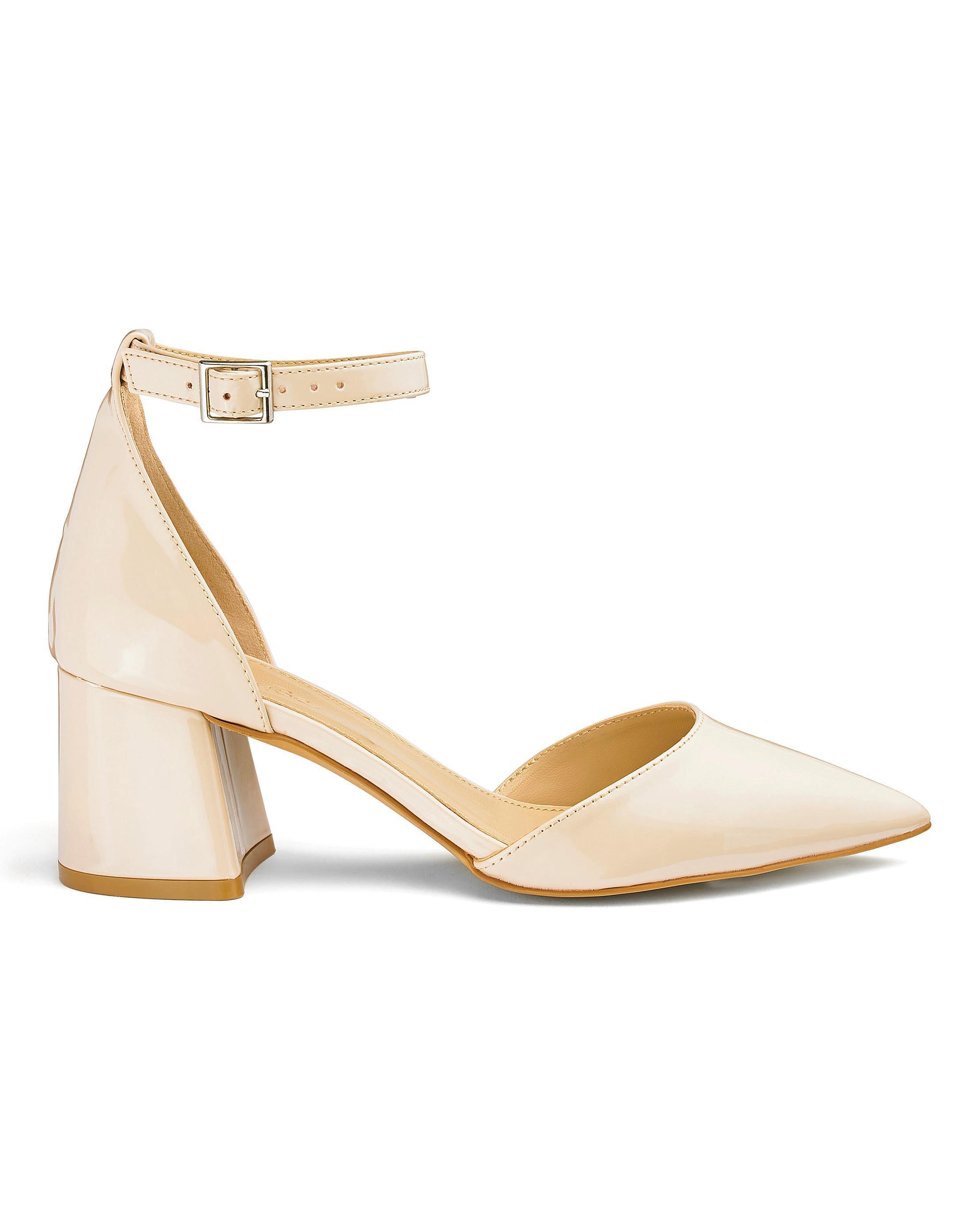 b36c492900d Lyst - Simply Be Este Pointed Block Heels in Natural