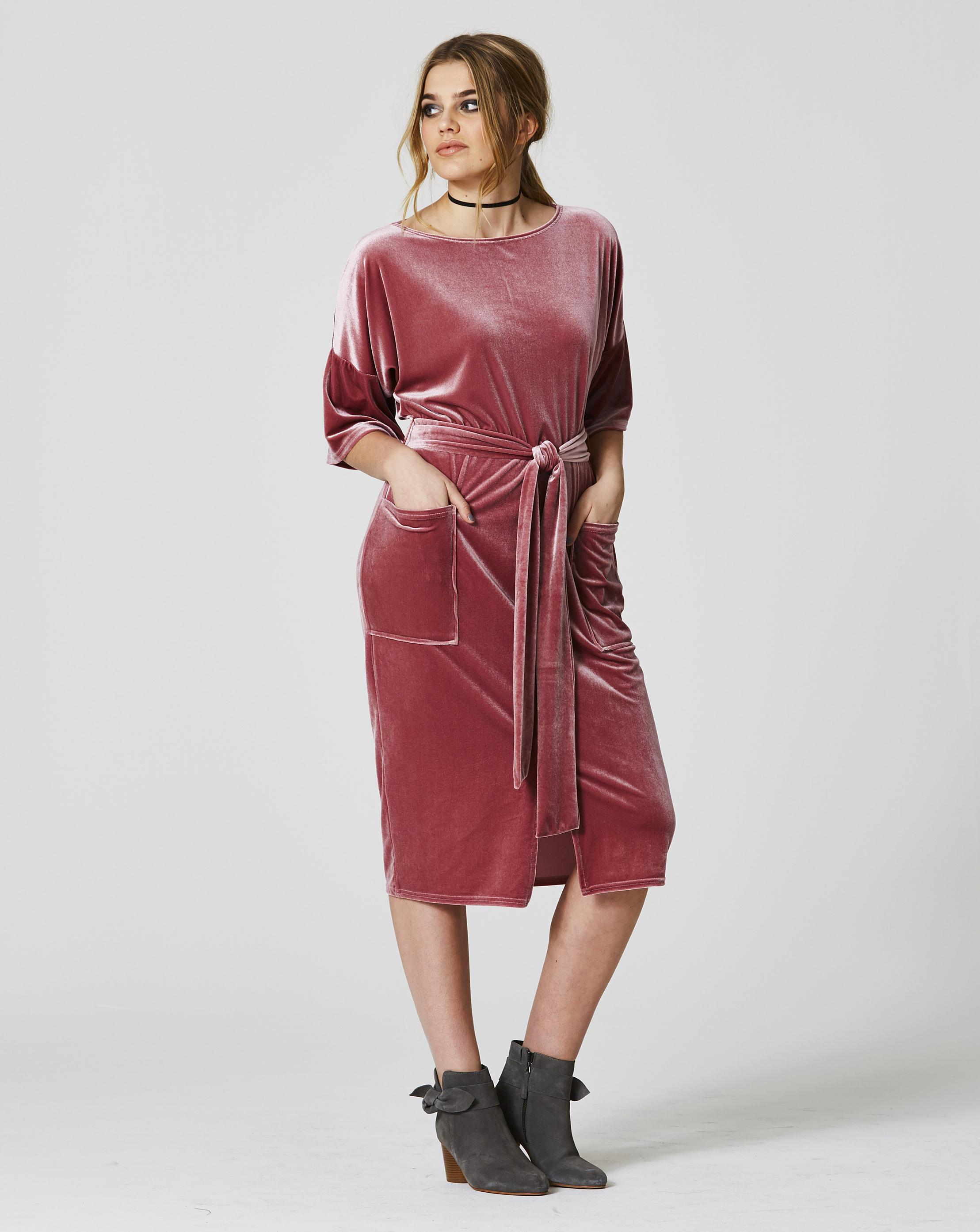 f6dcd5fba7 Simply Be Velvet Midi Wiggle Dress in Pink - Lyst