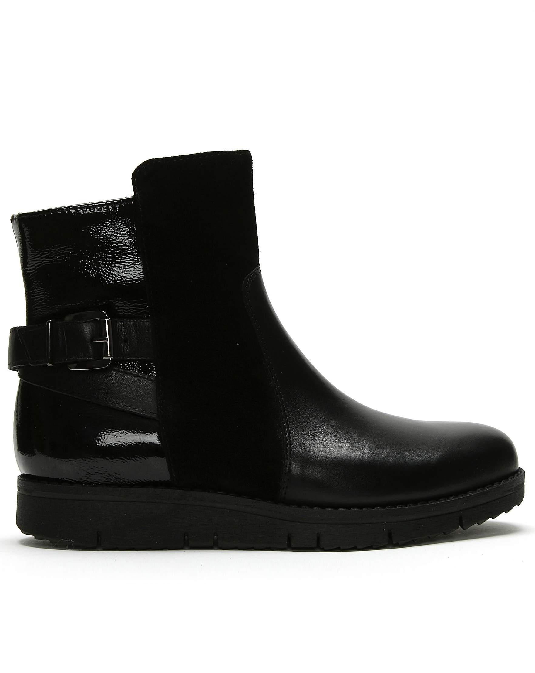 453e29aba753 Daniel Footwear Daniel Reeva Leather Buckled Ankle Boots in Black - Lyst