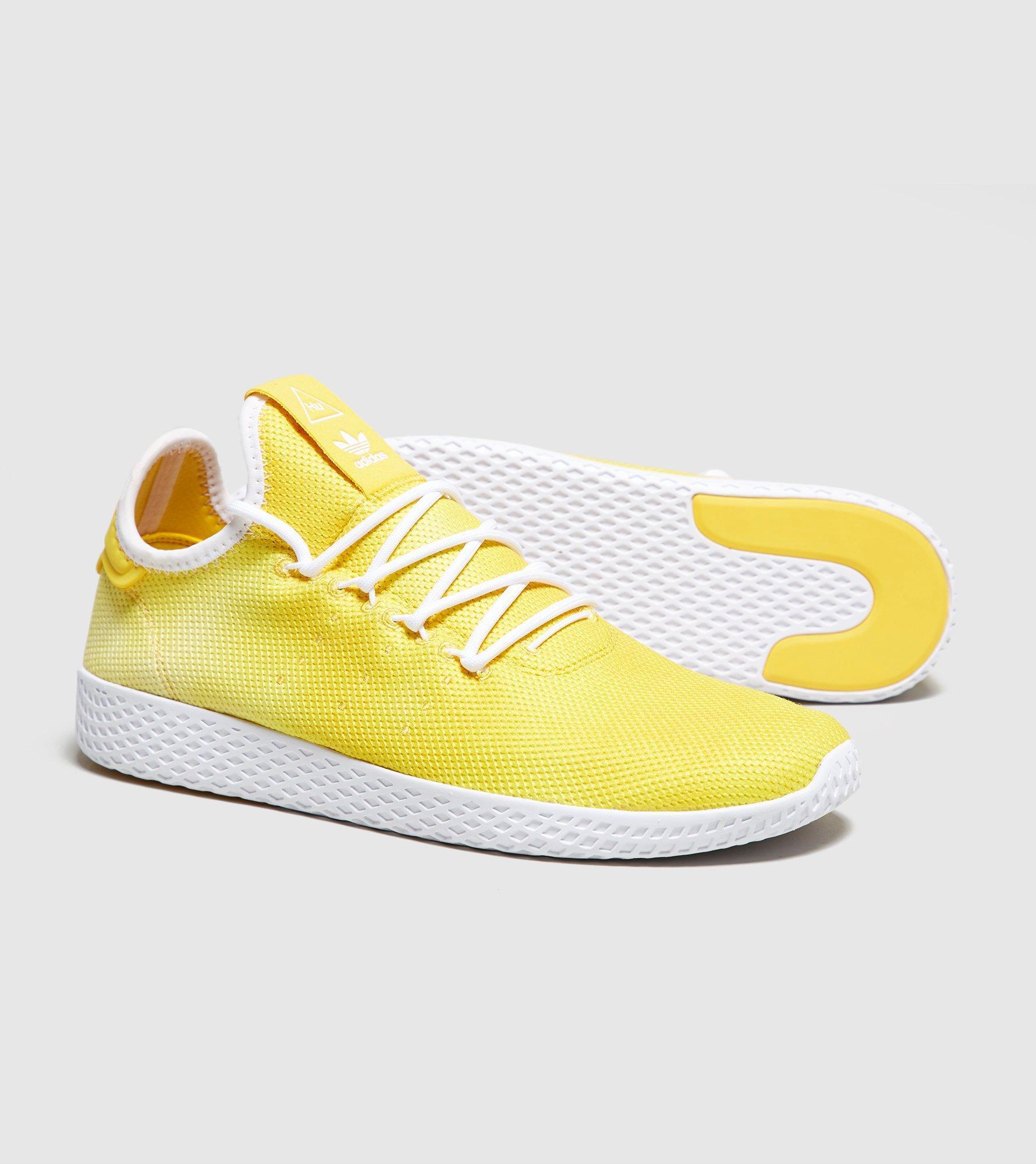 lyst adidas originali x pharrell williams holi tennis hu in giallo