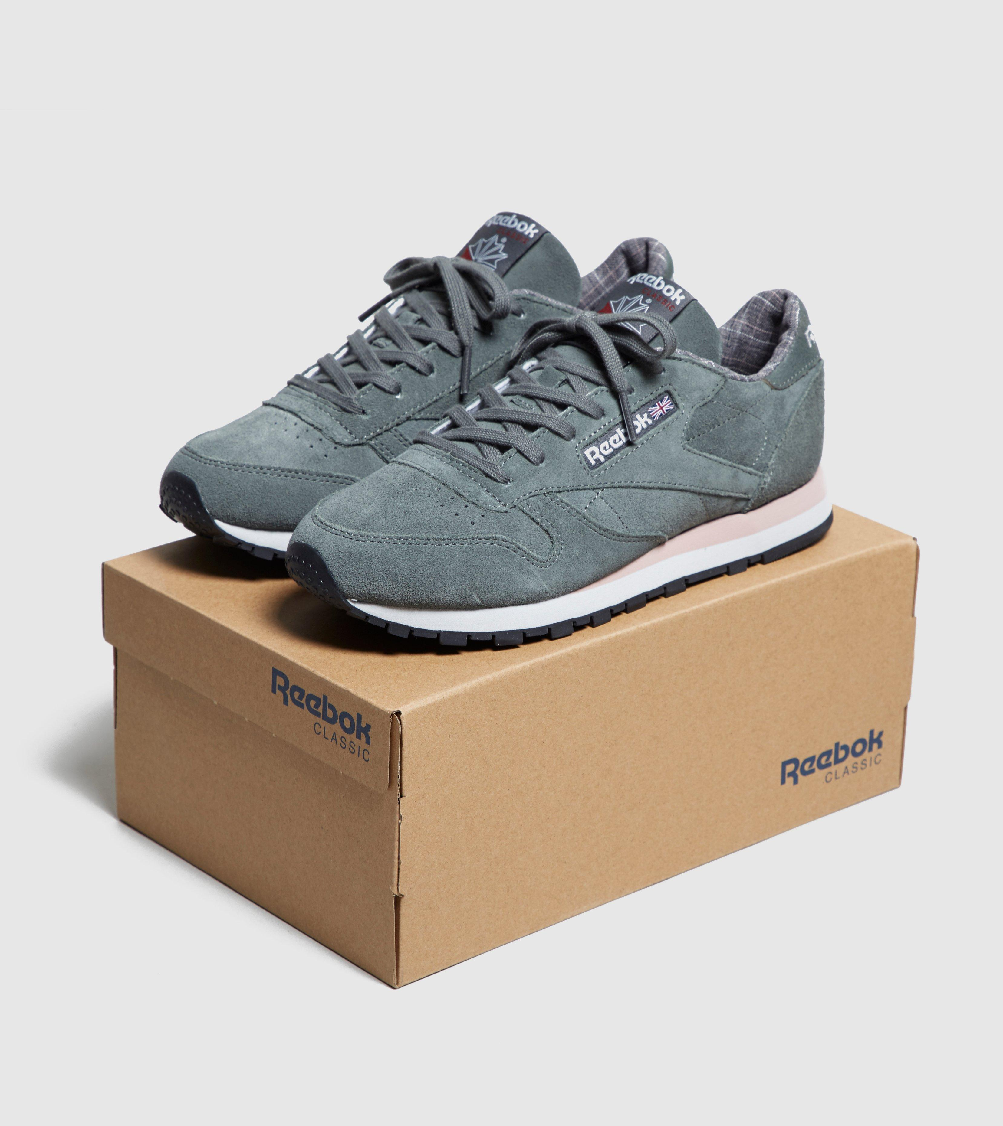 3954bc4686a Gallery. Previously sold at  Size · Women s Reebok Classic Leather ...