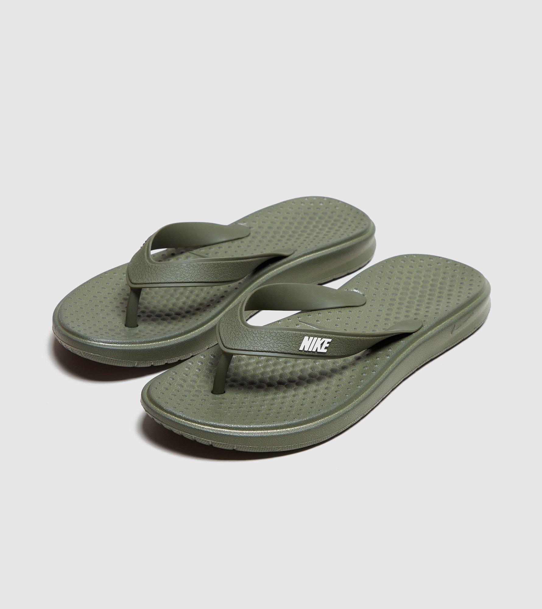 Nike flip flops shoejob with cumshot - 1 7