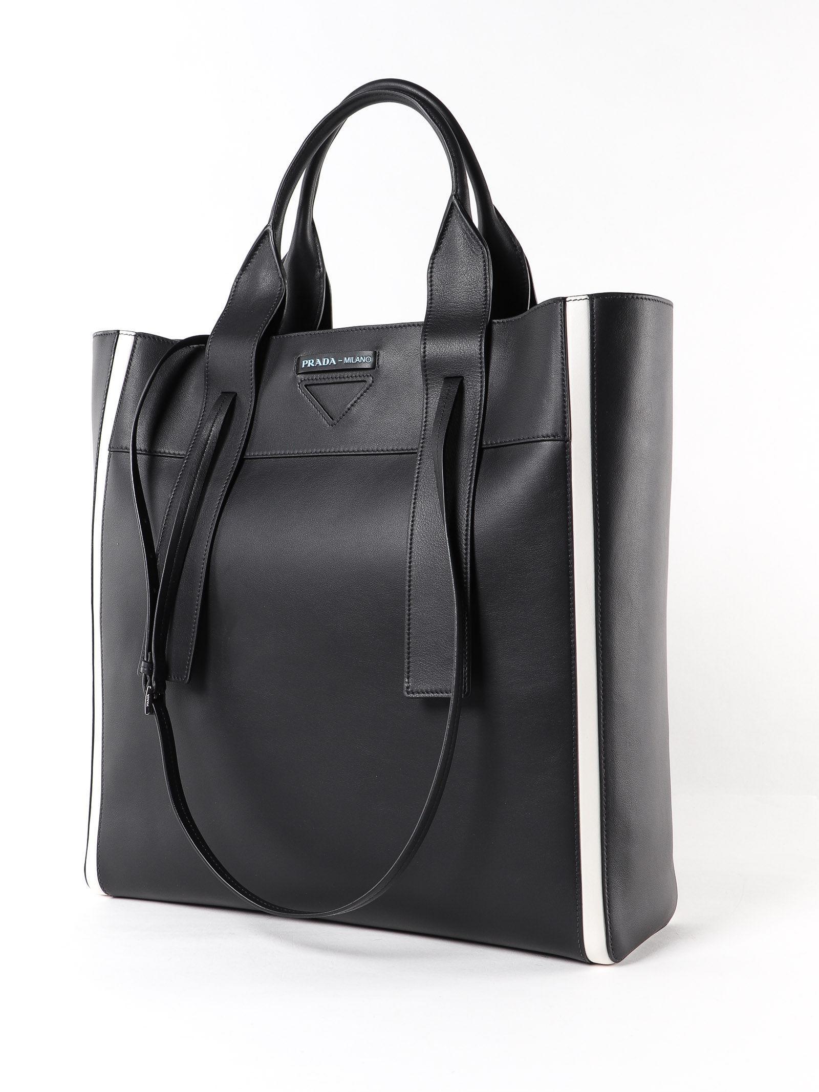 82ee1609f9 Prada Handbag Grace Lux in Black - Lyst