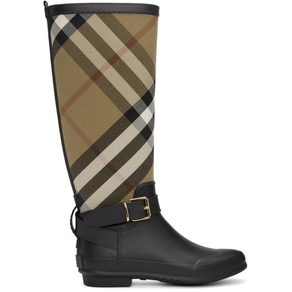 4f82a1791e7e54 burberry-black-Bottes-de-pluie-a-carreaux-noires-et-beiges.jpeg