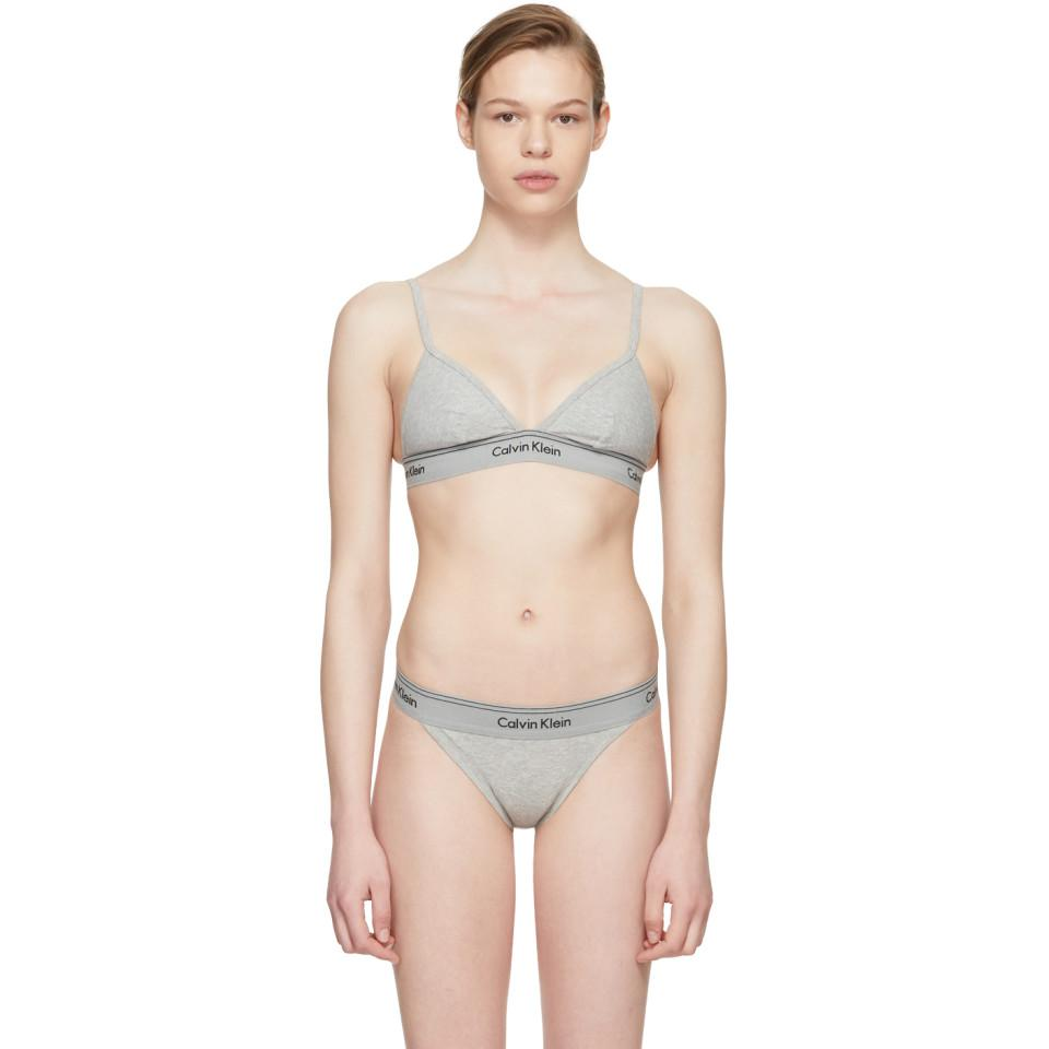 Lyst - Soutien-gorge triangle gris Heritage Athletic Calvin Klein en ... e89a4a7f22c
