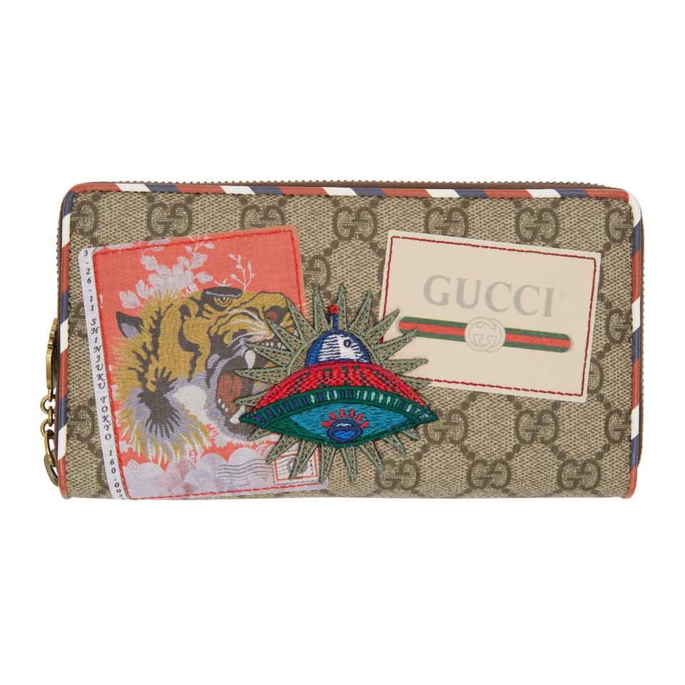 aa8792b647e309 Lyst - Portefeuille a glissiere beige GG Supreme Courrier Gucci pour ...