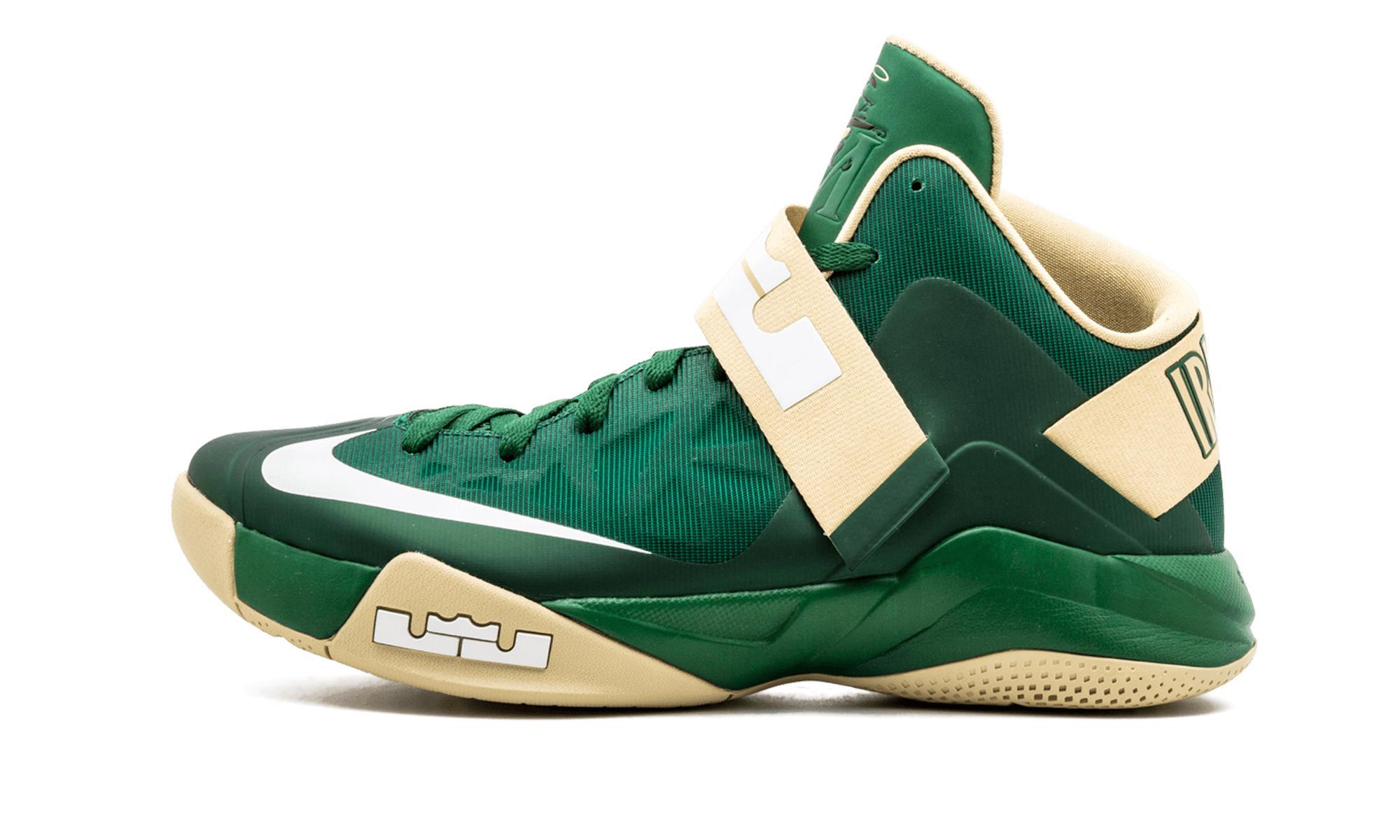 more photos b5a88 ffc00 Nike. Men s Green ...