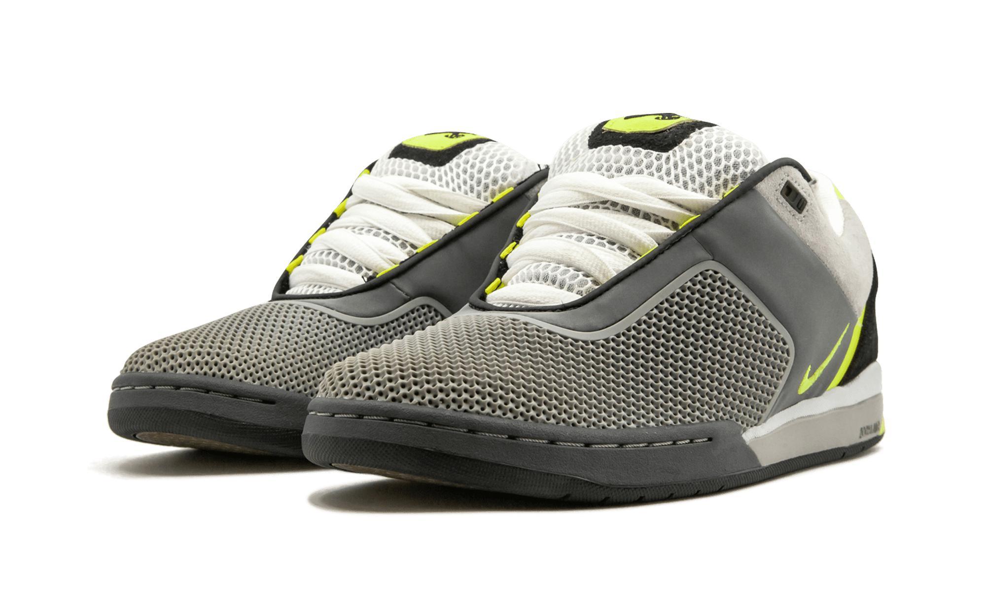 27852042e062 Lyst - Nike Zoom Tre in Gray for Men