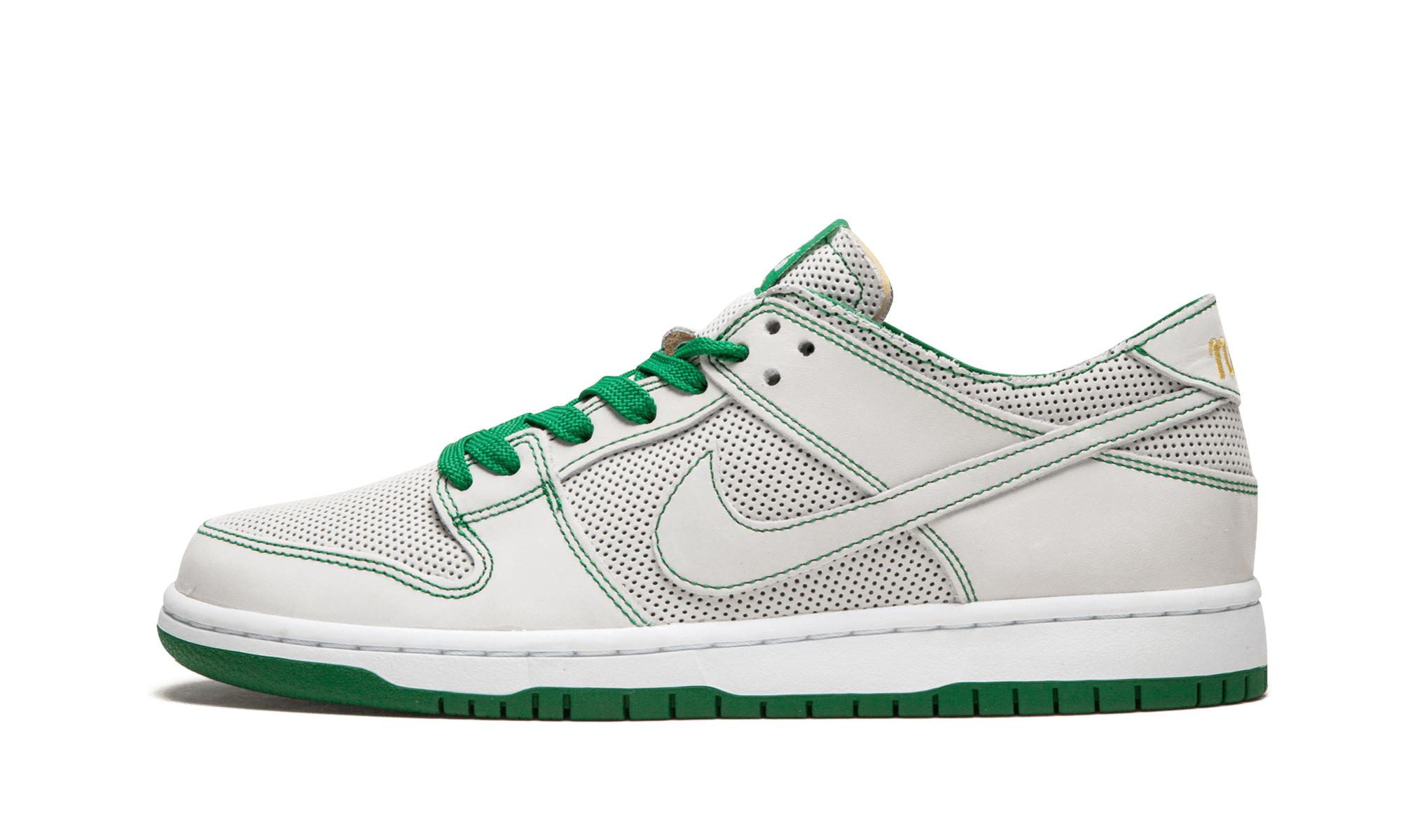 c5185b058fdb Nike Sb Zoom Dunk Low Pro Decon Qs in White for Men - Lyst