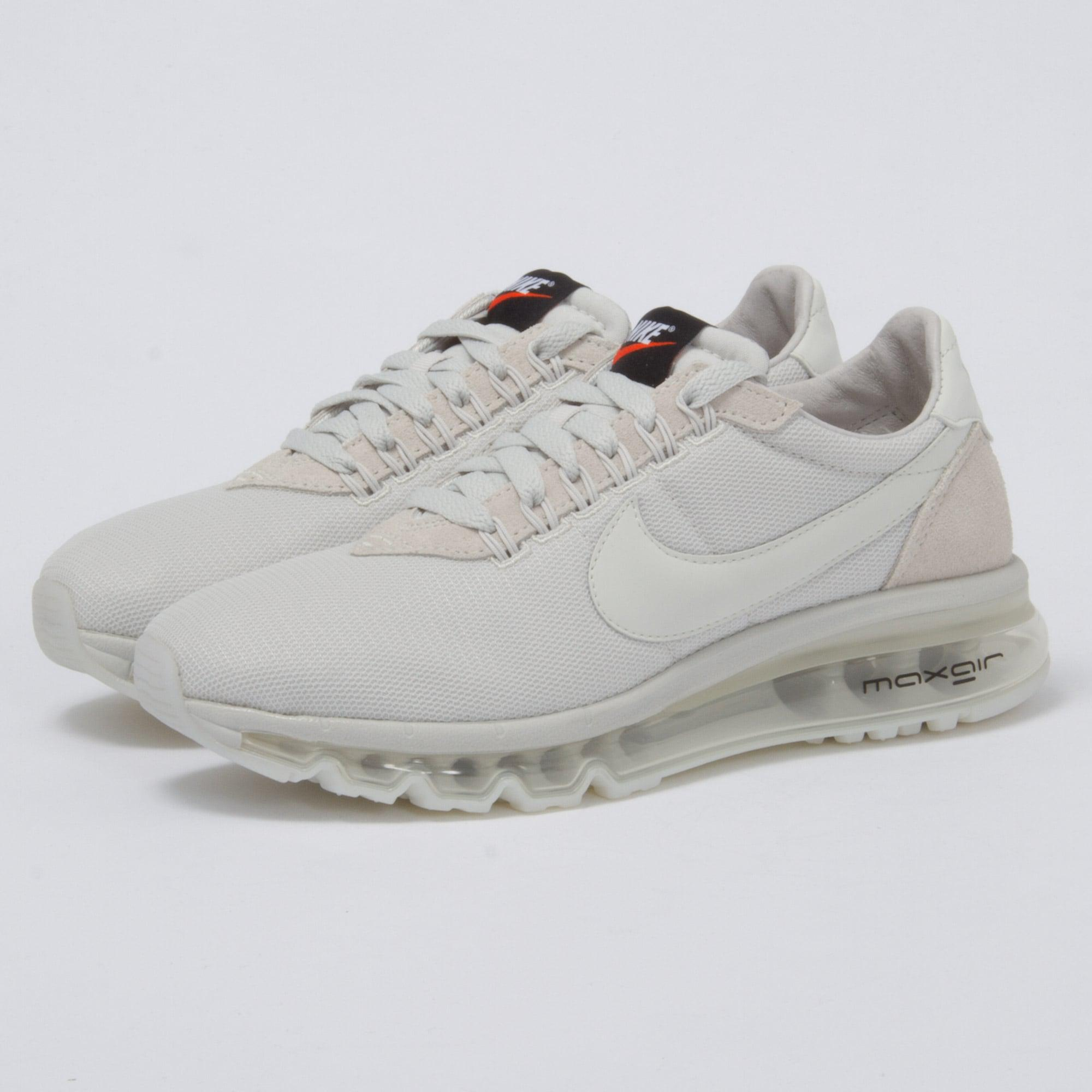 3e30a2952705 purchase gallery. previously sold at stuarts london womens nike air max  64fcc 2b590