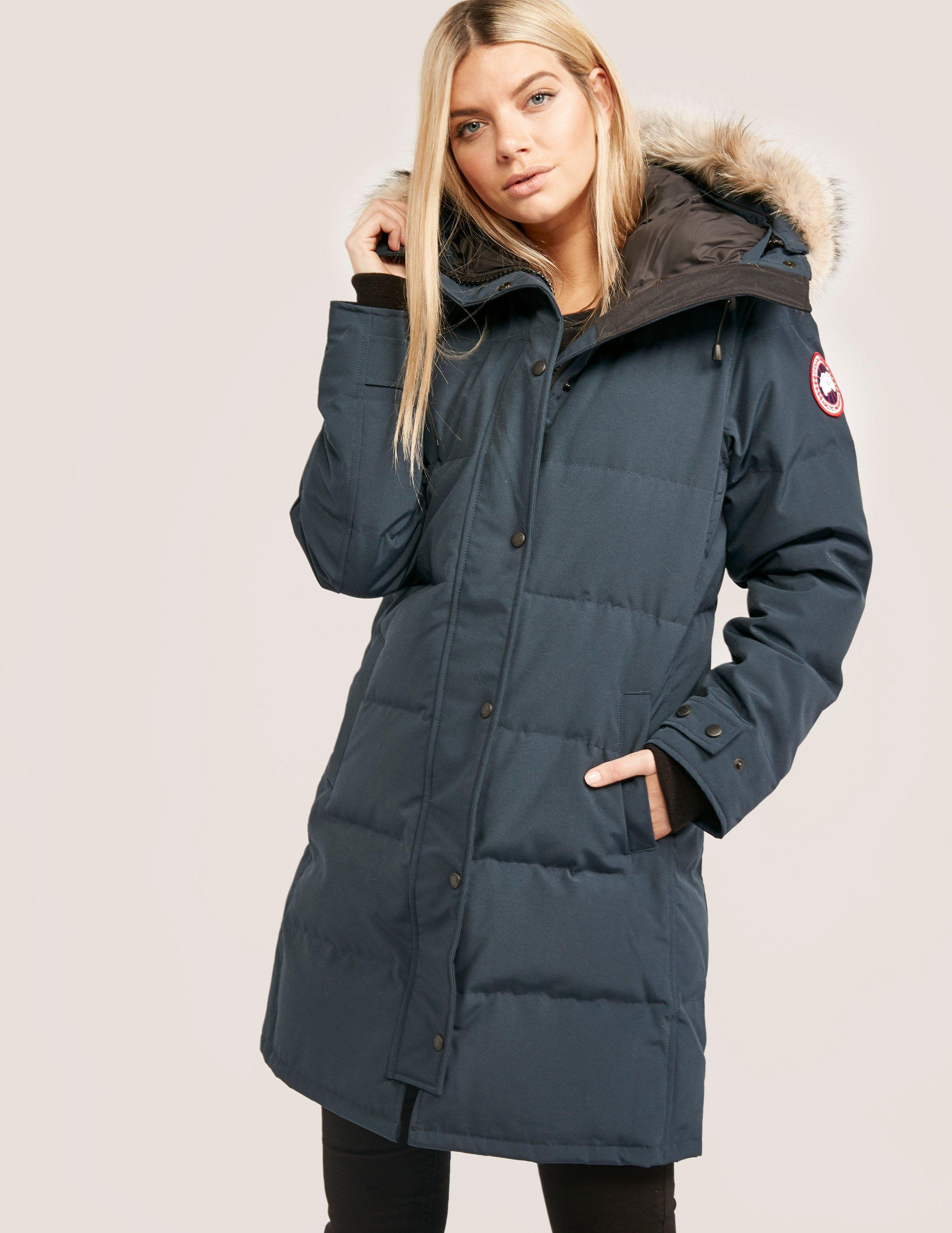 c24ee49db469 Gallery. Previously sold at: Tessuti UK · Women's Canada Goose Shelburne