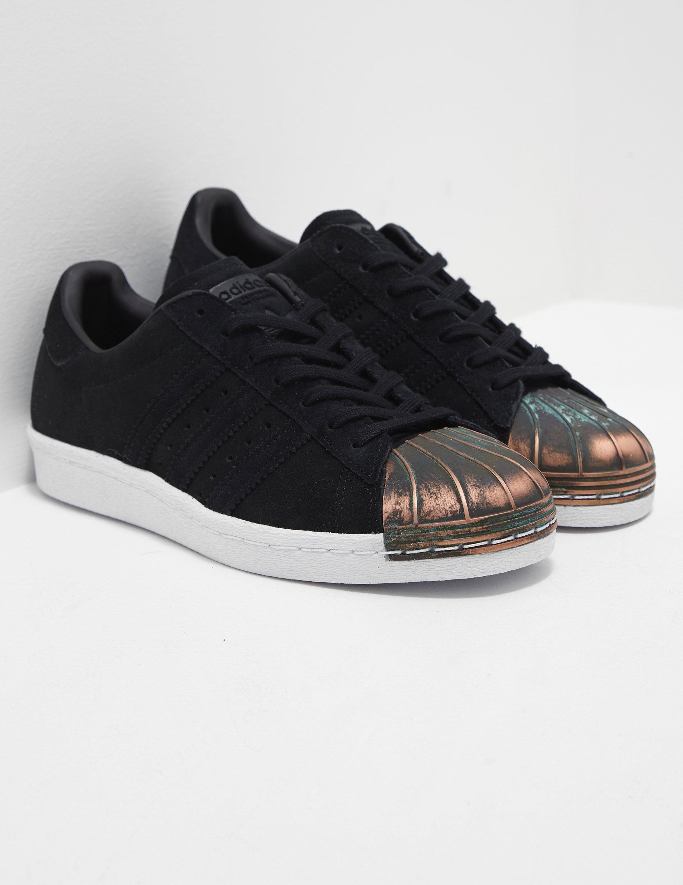 lyst adidas superstar degli anni ottanta marrone / marrone originali delle donne