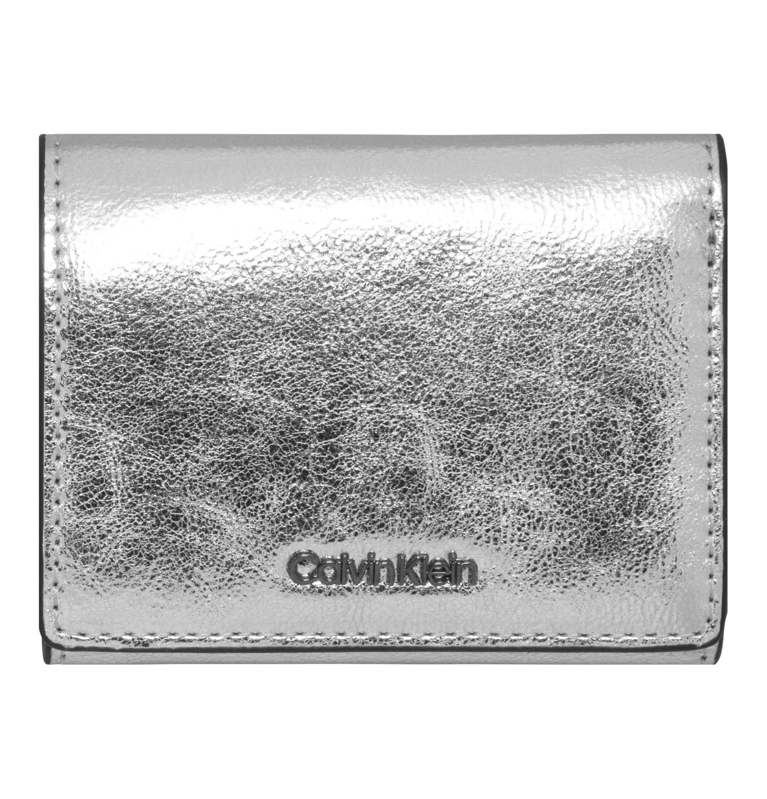 9fcbf59110d Calvin Klein Portemonnee in het Metallic - Lyst