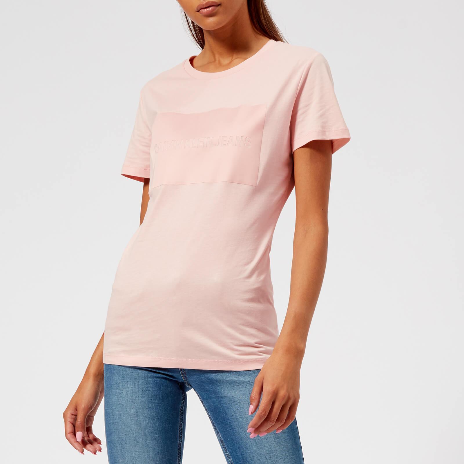 d395b1bd8 Calvin Klein Institutional Satin Box Logo T-shirt in Pink - Lyst