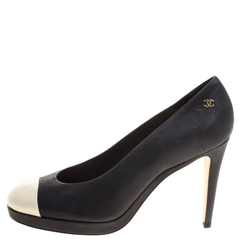 1de25db87d Chanel Two Tone Leather Cap Toe Platform Pumps Size 41 in Black - Lyst