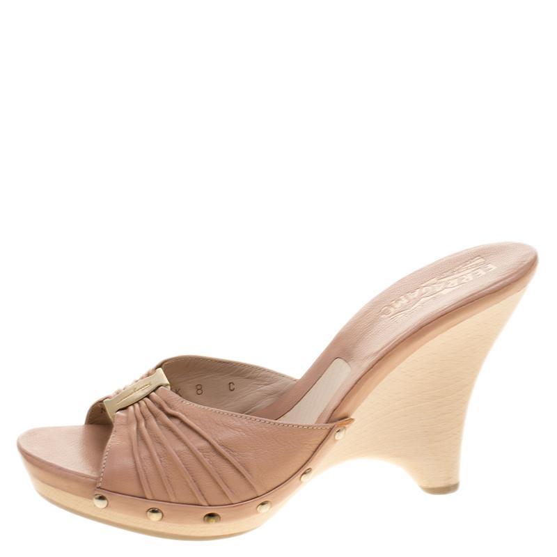 18e18cdb2d80 Ferragamo - Blush Pink Pleated Leather Peep Toe Slides Size 38.5 - Lyst.  View fullscreen