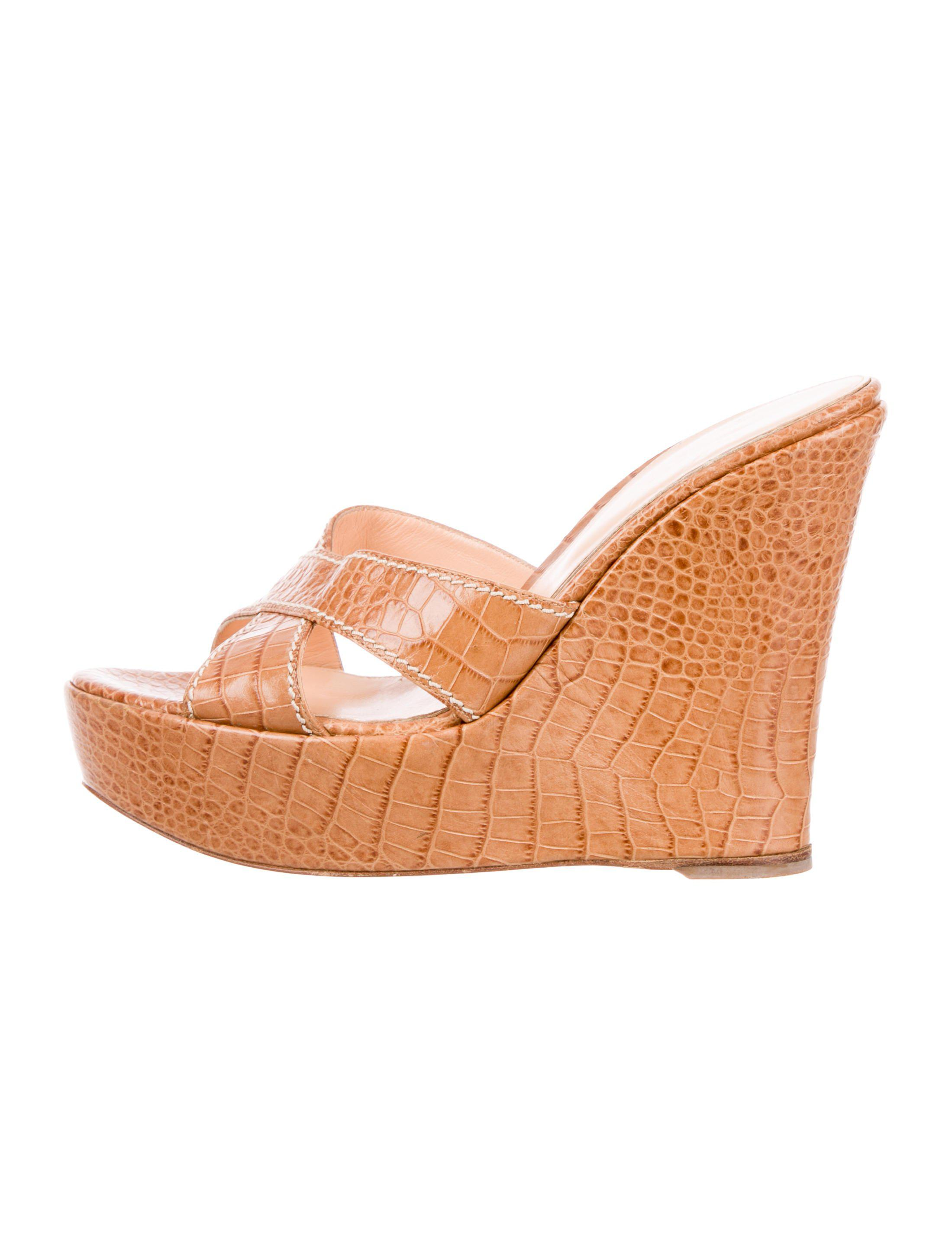 clearance clearance pre order online Sergio Rossi Embossed Platform Wedges shipping discount authentic 2015 online 7LljToLQ