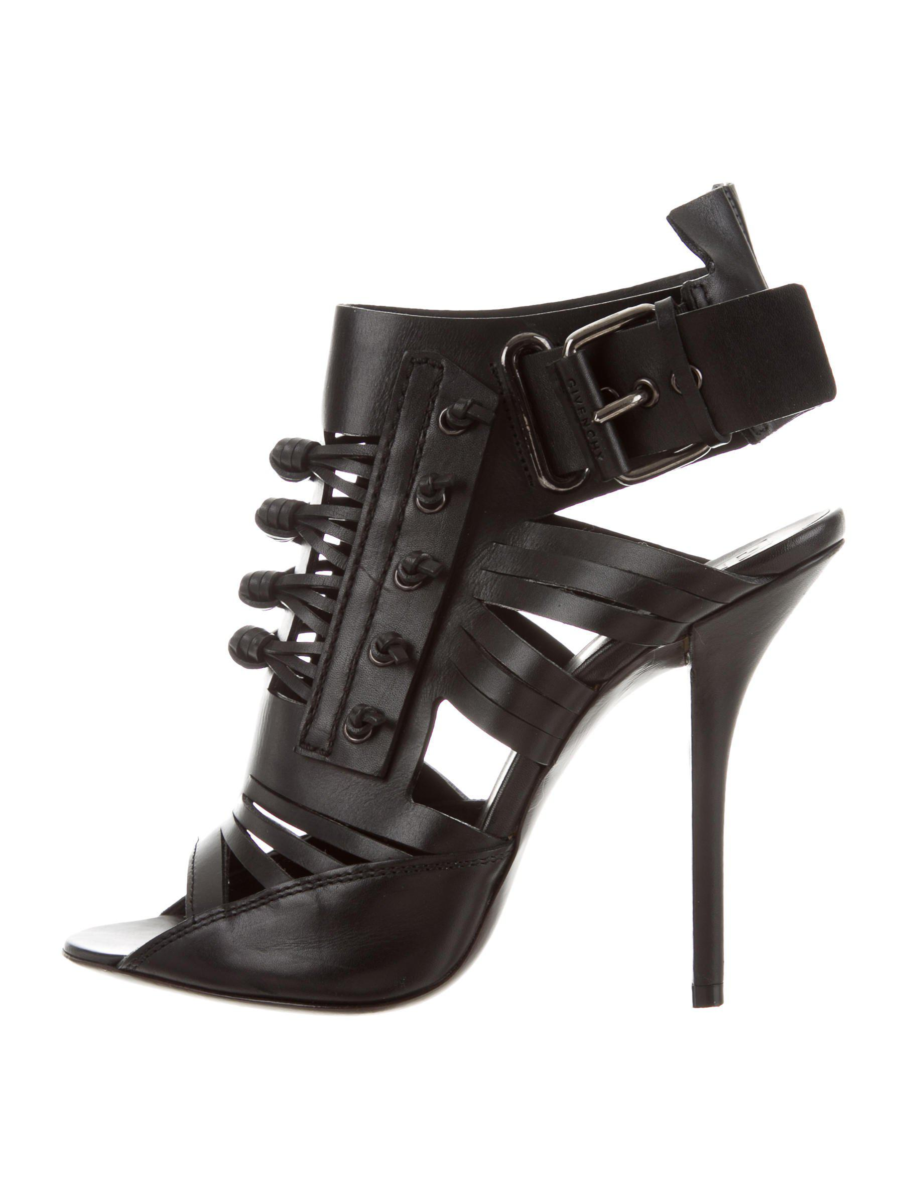 6fa0bf0abcc Lyst - Givenchy Woven Leather Sandals in Black