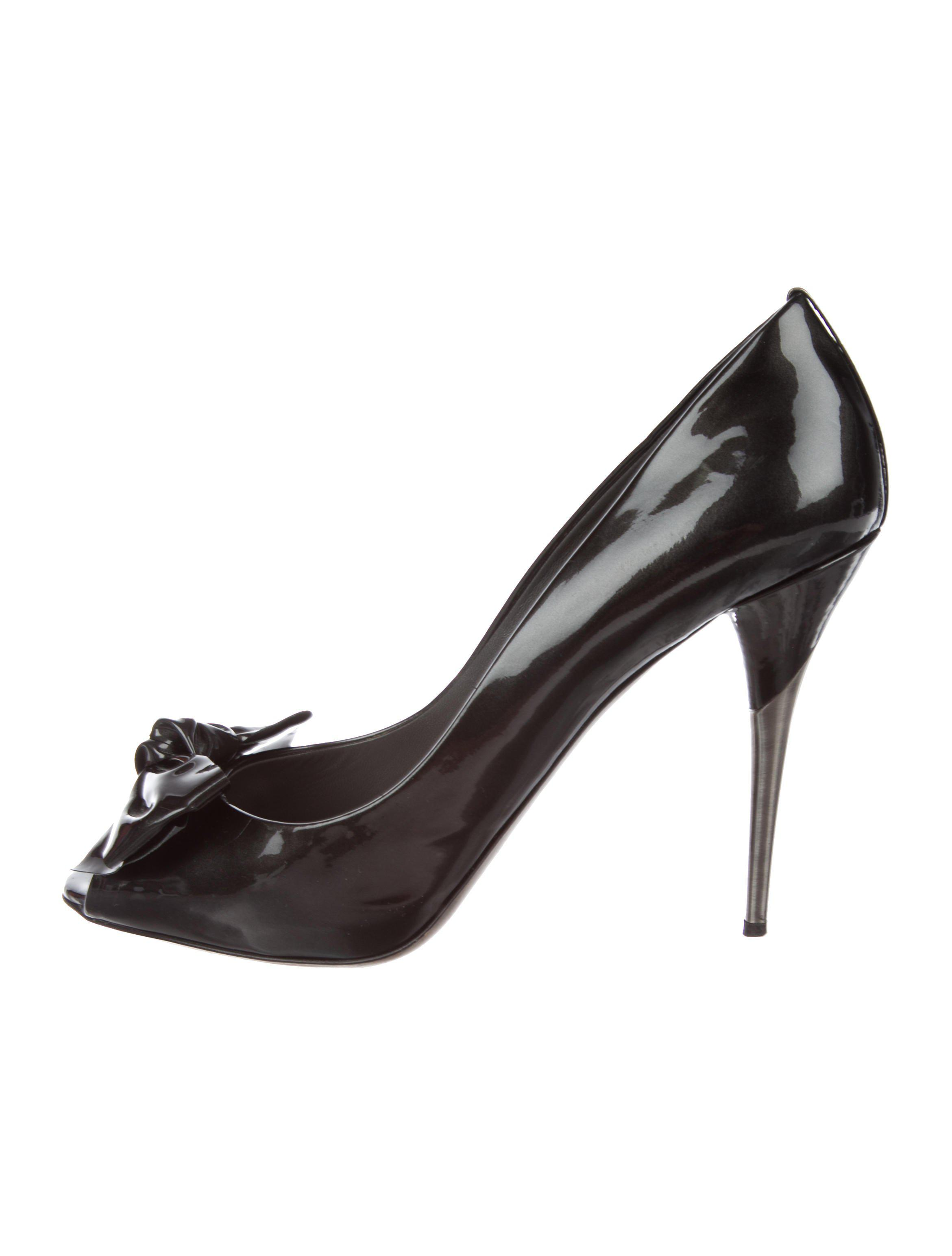 largest supplier for sale lowest price Miu Miu Leather Bow-Accented Pumps ebay cheap price discount best prices CiS2NW