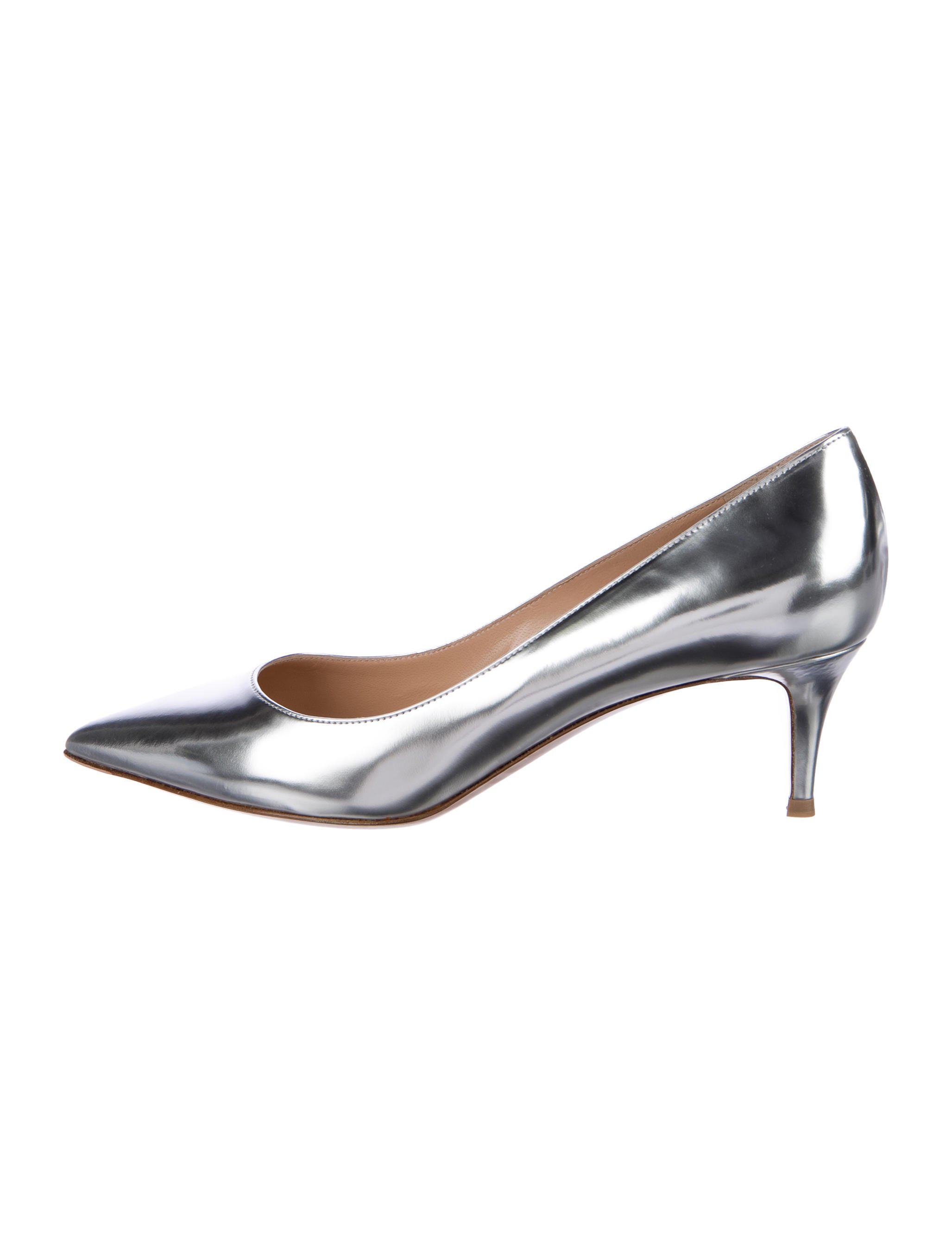 Gianvito Rossi Kiss Metallic Pumps w/ Tags websites cheap online clearance cheap price clearance store for sale cheap manchester great sale Po0zgjOS