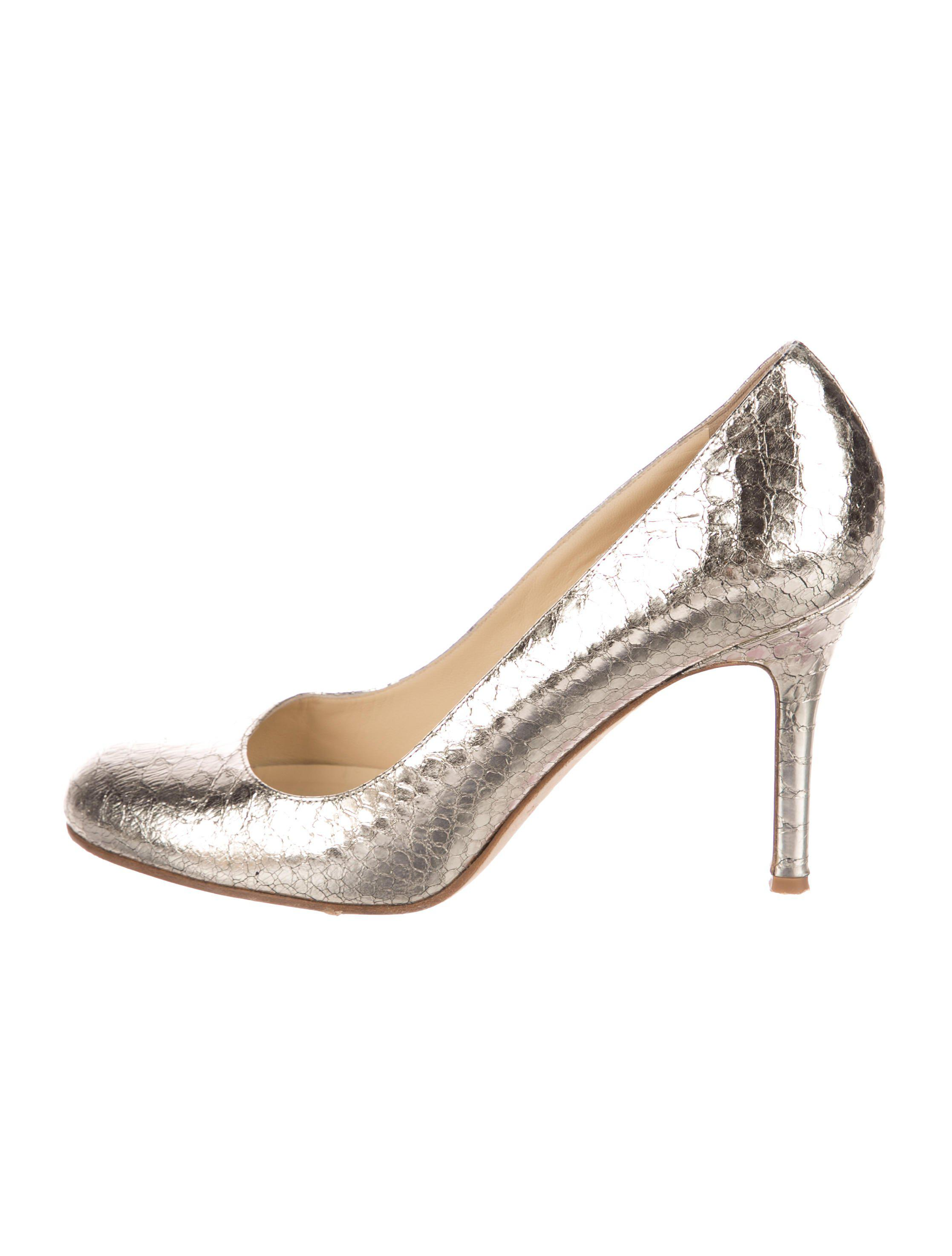 4d82bcca39a Lyst - Kate Spade Embossed Round-toe Pumps Silver in Metallic