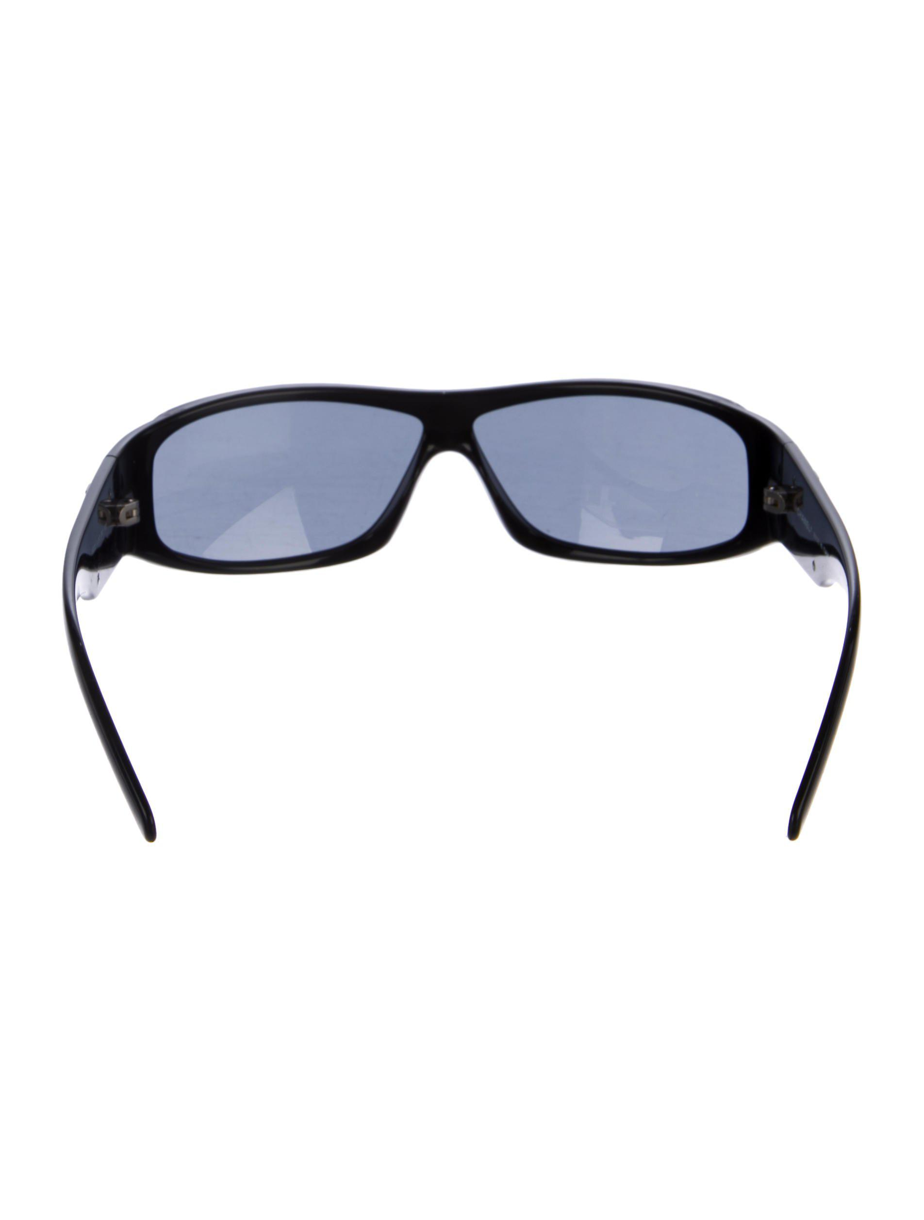 4bd827cc946dc Lyst - Chanel Cc Shield Sunglasses Black in Metallic