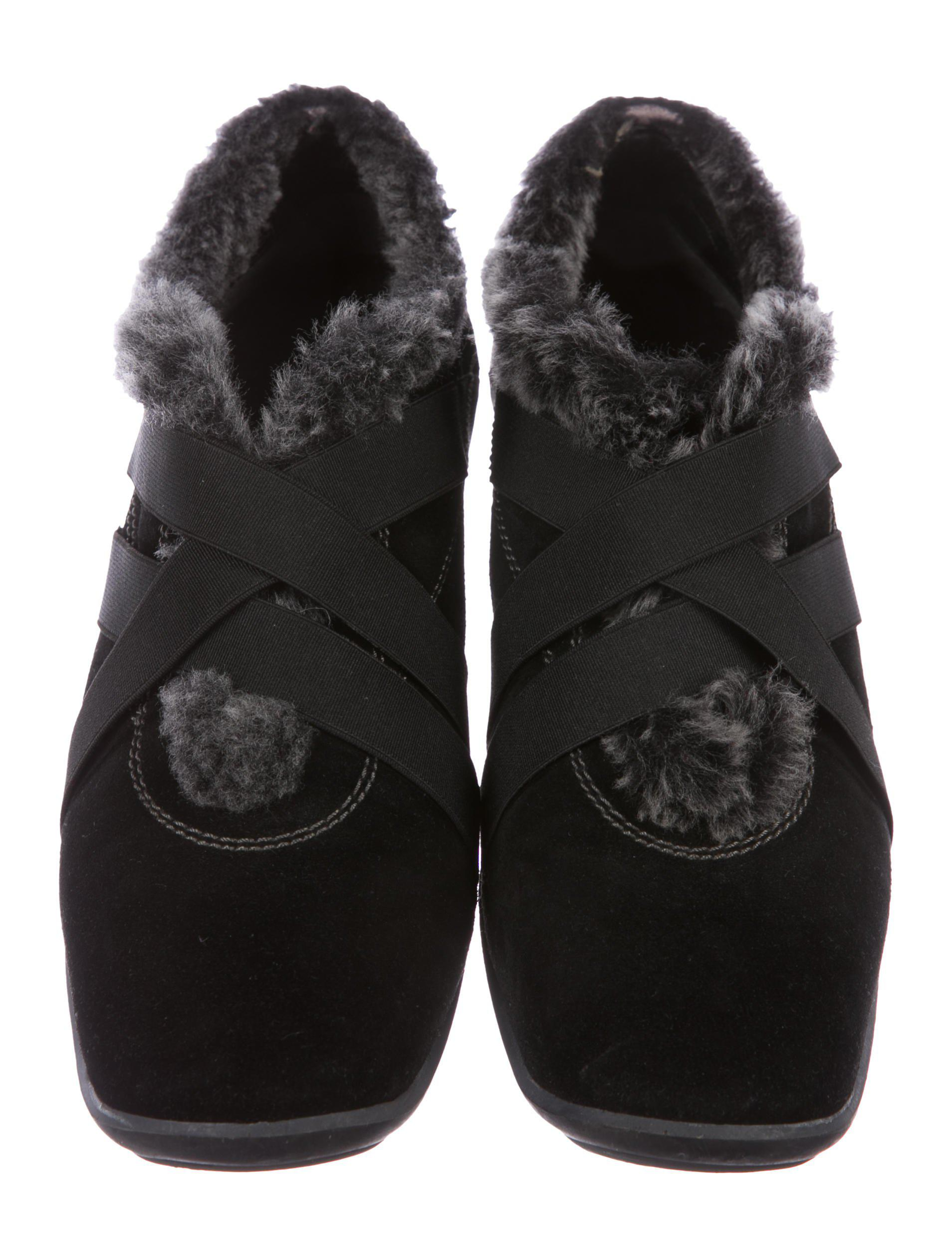 cheap pictures Stuart Weitzman Happyfeet Shearling-Trimmed Sneakers outlet purchase outlet sale online cheap sale the cheapest excellent QGS6FMk