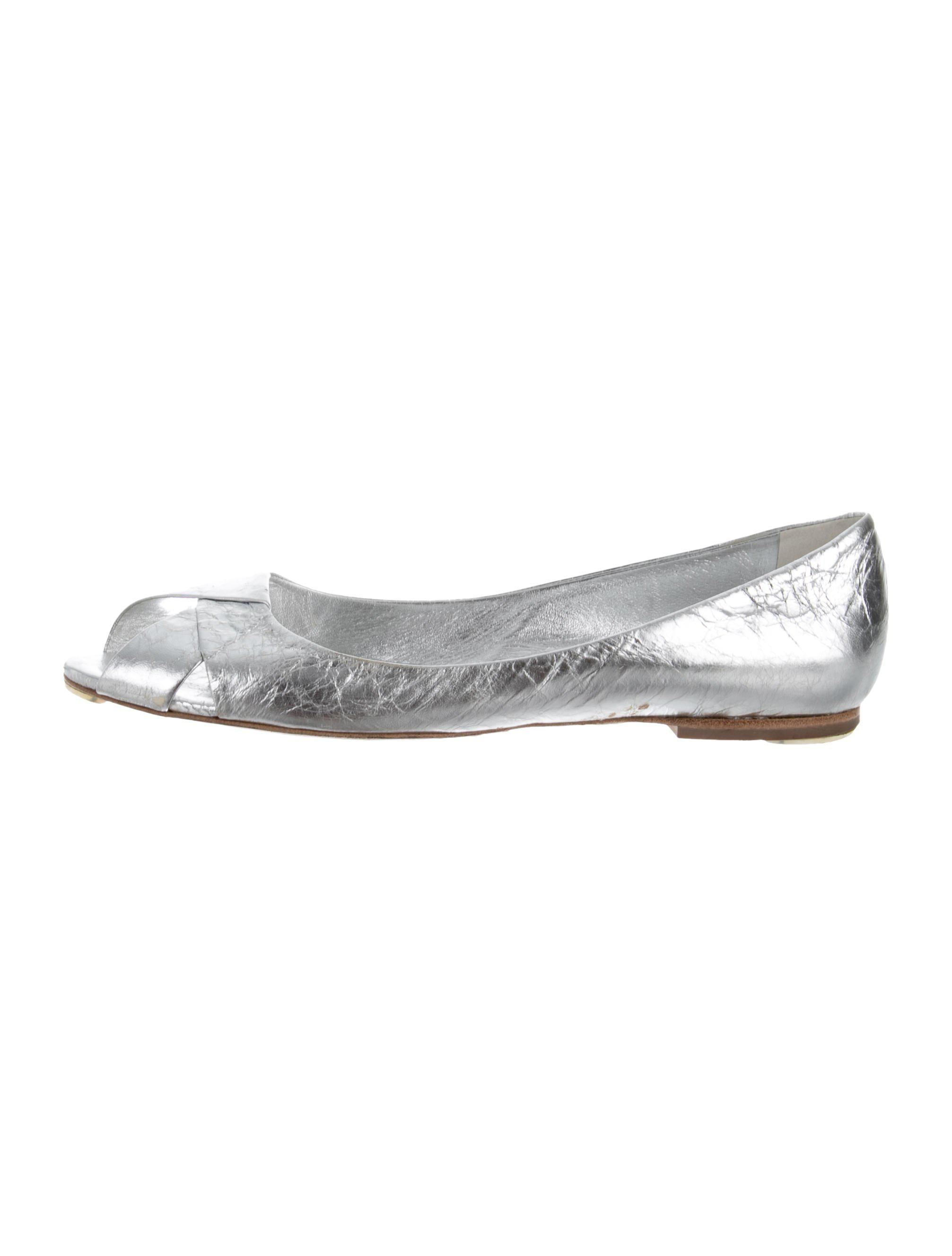 2efe7c340 Lyst - Roger Vivier Leather Flats Silver in Metallic