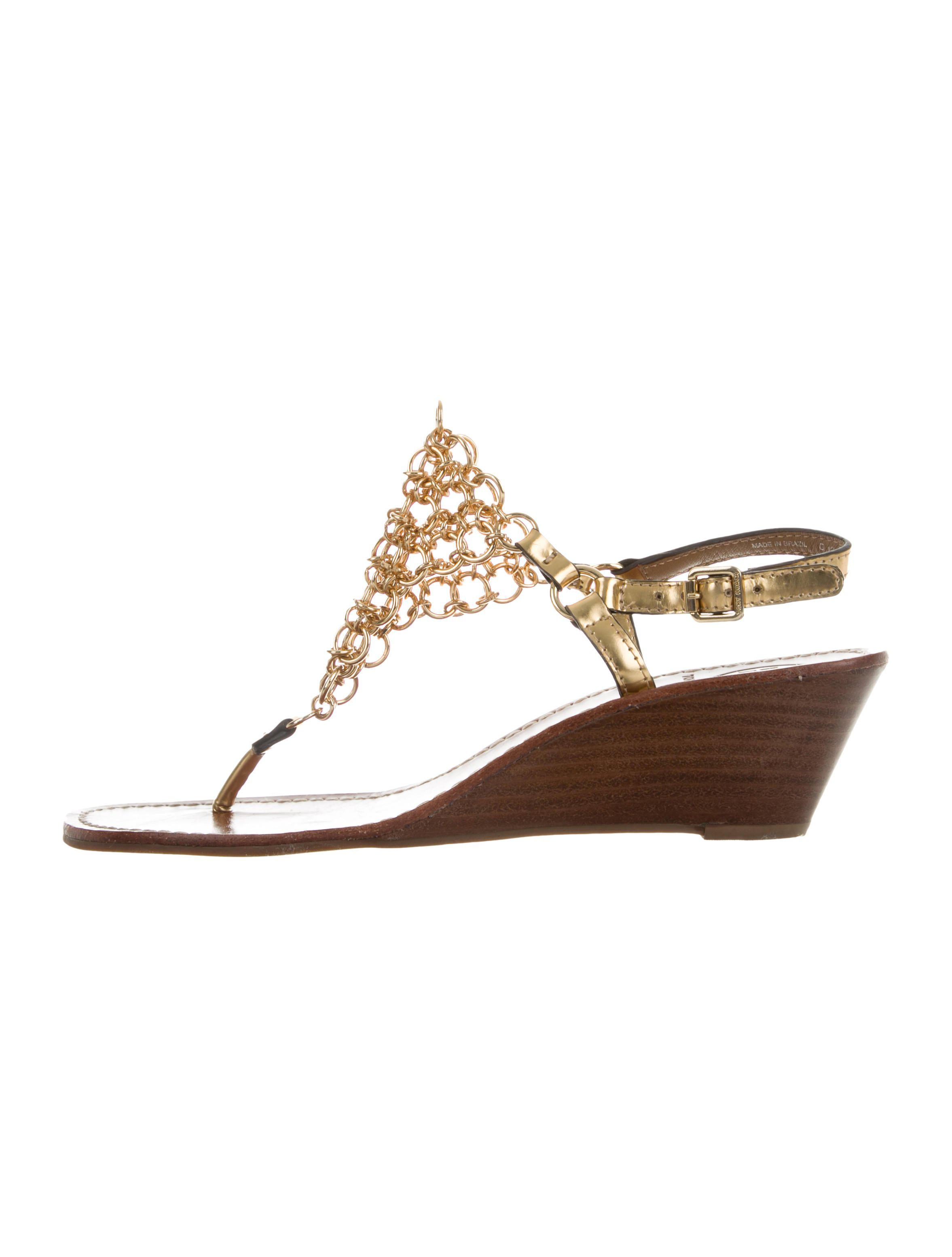 de34b2b3709fb Lyst - Tory Burch Chain-link Wedge Sandals in Metallic
