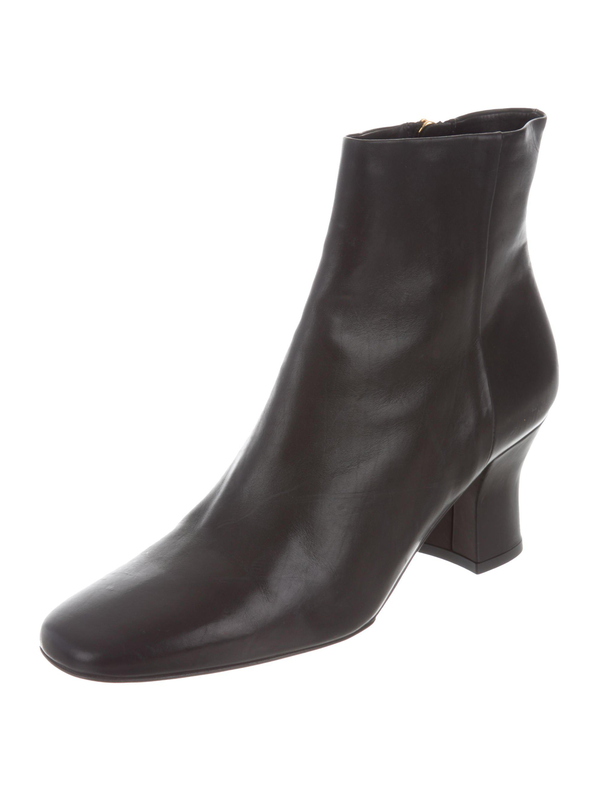 The Row Leather Round-Toe Ankle Boots clearance shop for cheap price outlet discount Inexpensive outlet extremely clearance tumblr t0xRx