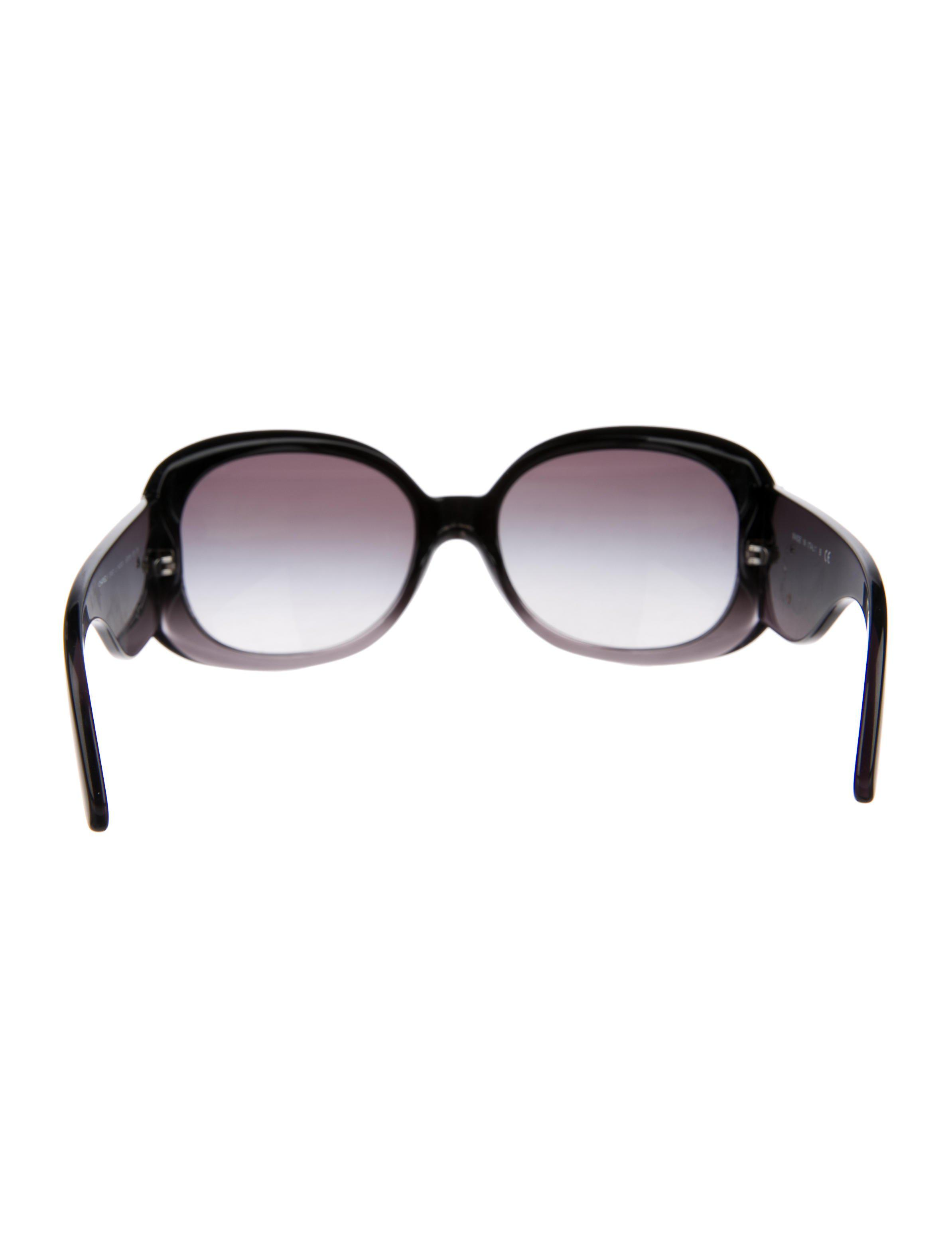 5d7e4728e0c Lyst - Chanel Ombré Cc Sunglasses in Black