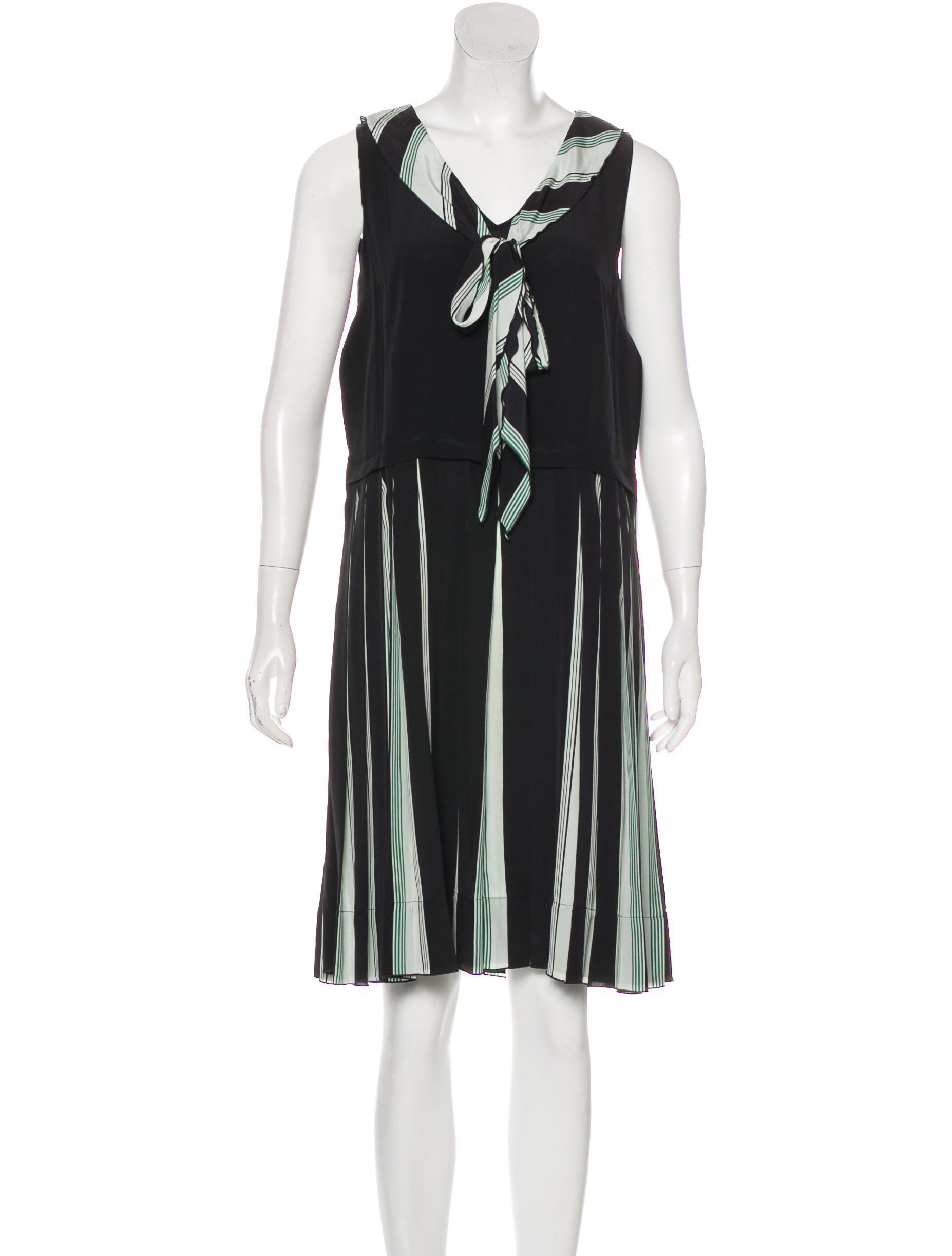 99998e995ed Lyst - Marc Jacobs Sleeveless Silk Dress in Black