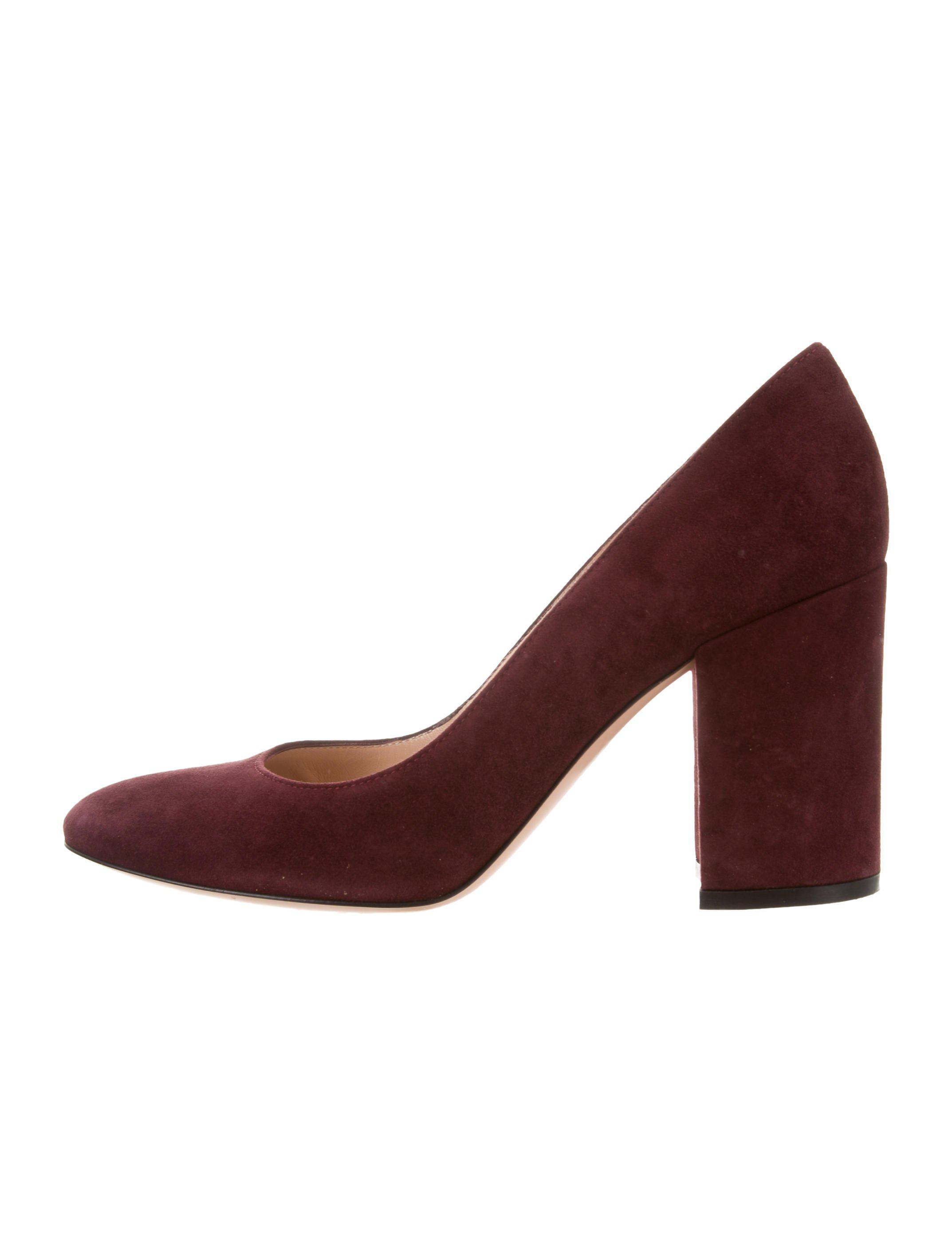 b7e37c9a8852 Lyst - Gianvito Rossi Suede Round-toe Pumps Burgundy in Red