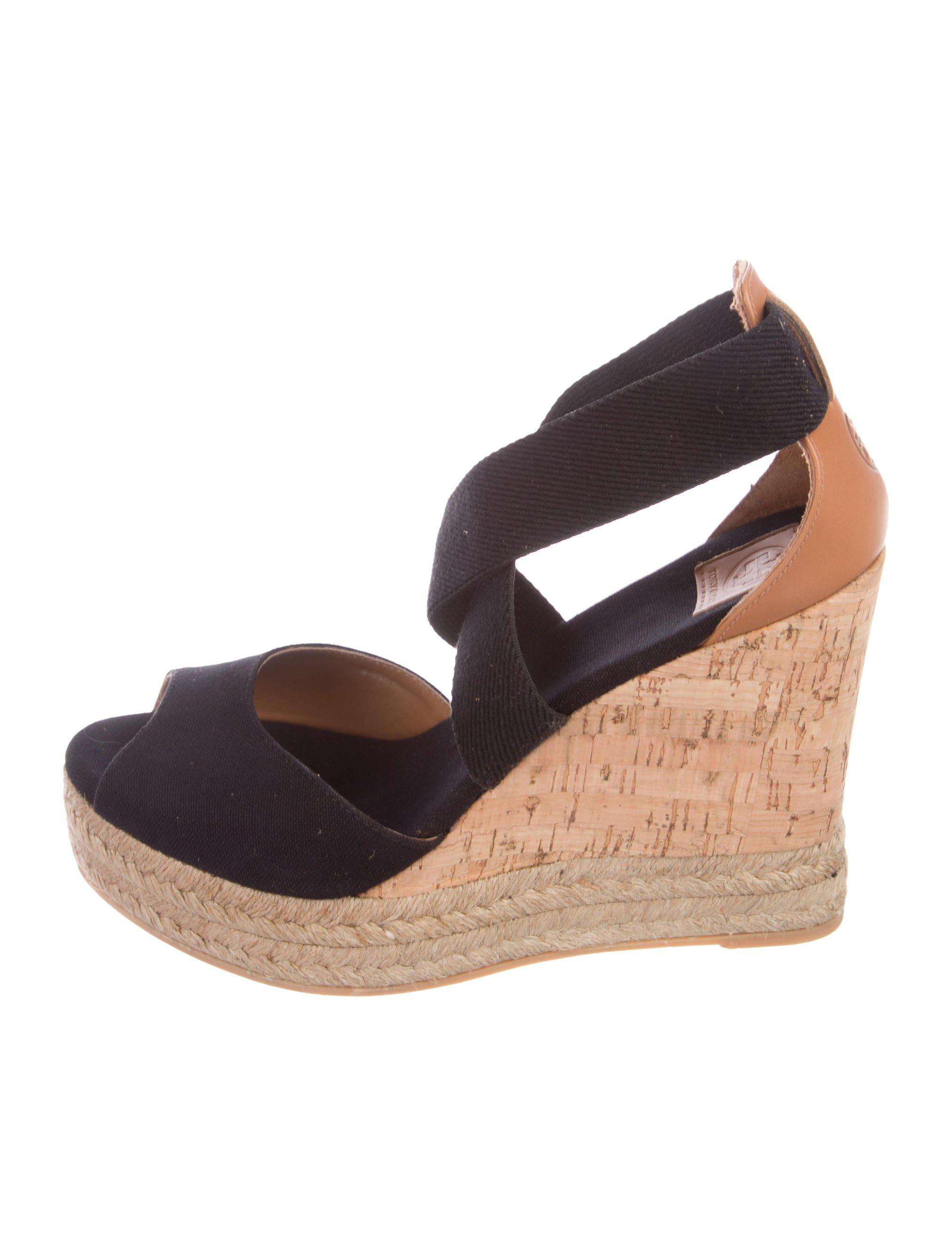 d5ca12306 Lyst - Tory Burch Crossover Espadrille Wedges Black in Natural