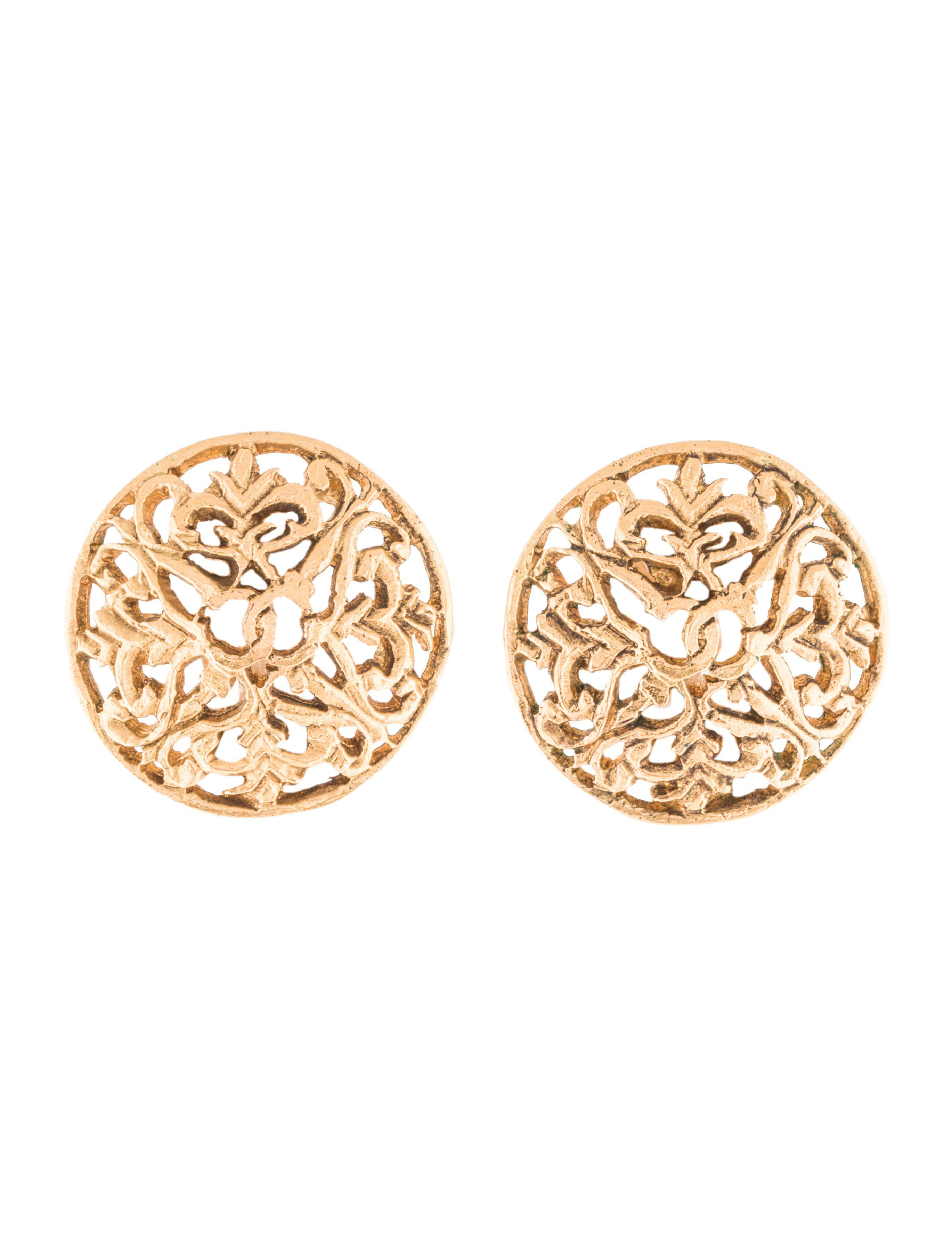 clips chanel product tone gold vintage pearl faux earrings