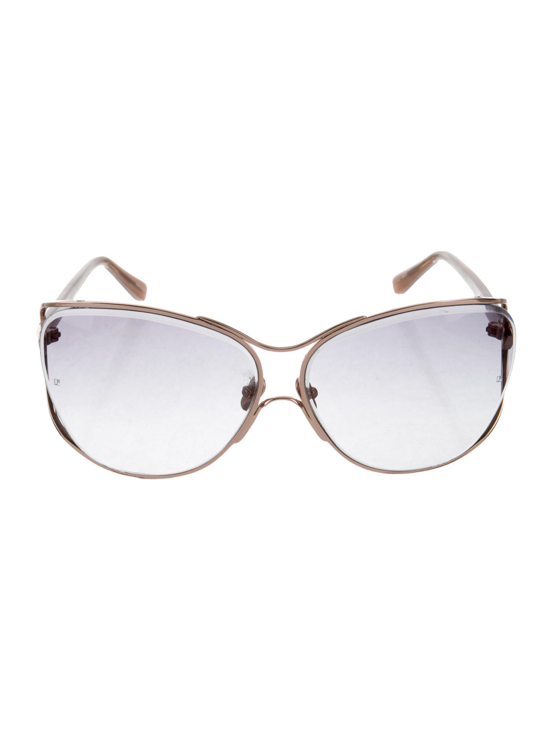 26a5a6d9af07 Lyst - Linda Farrow Oversize Tinted Sunglasses Gold in Metallic
