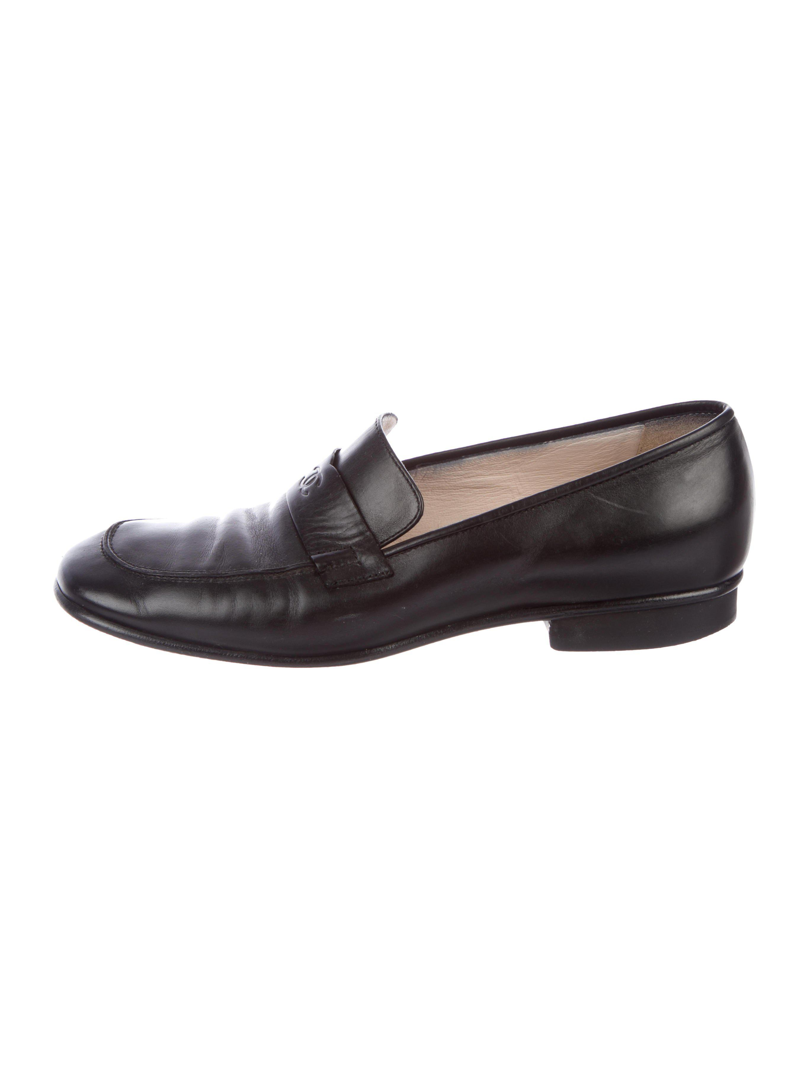 f65a361cc59 Lyst - Chanel Leather Cc Loafers in Black