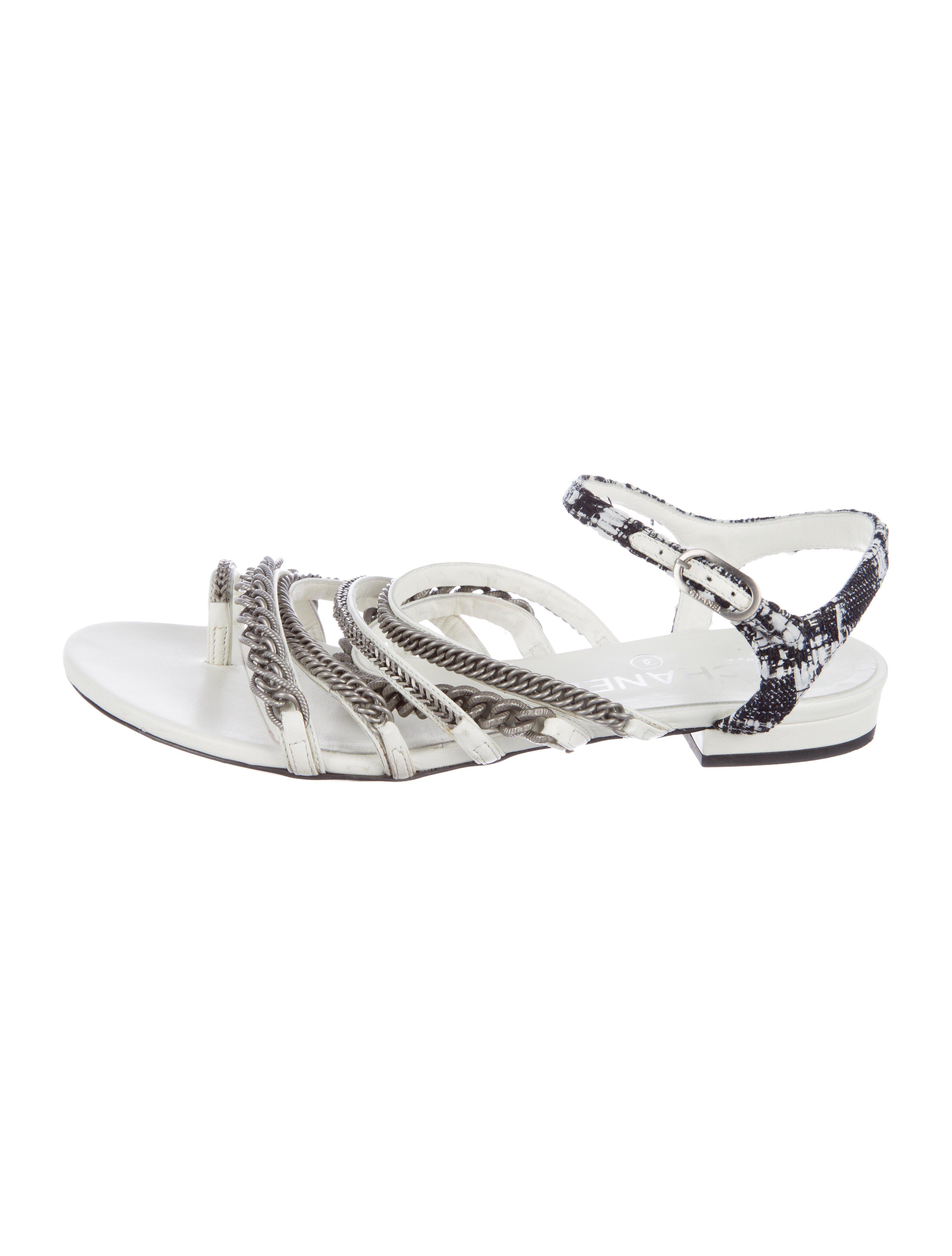 070eaf9696d239 Lyst - Chanel 2015 Chain-link Embellished Sandals White in Metallic