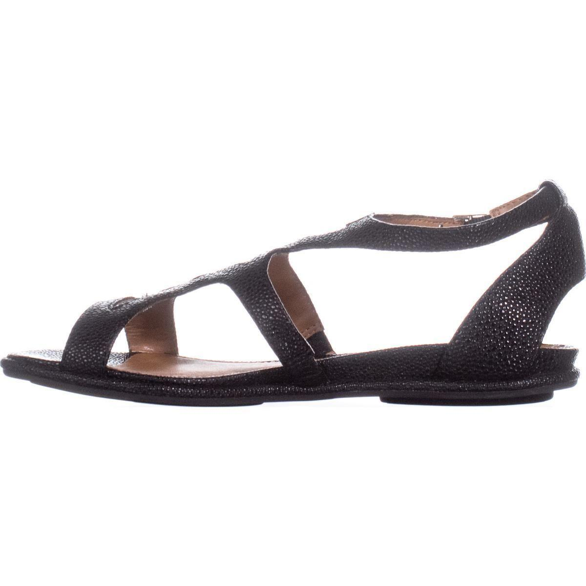 9c6c14a13f6 Lyst - Kenneth Cole Oak Strappy Flat Sandals - Save 13%