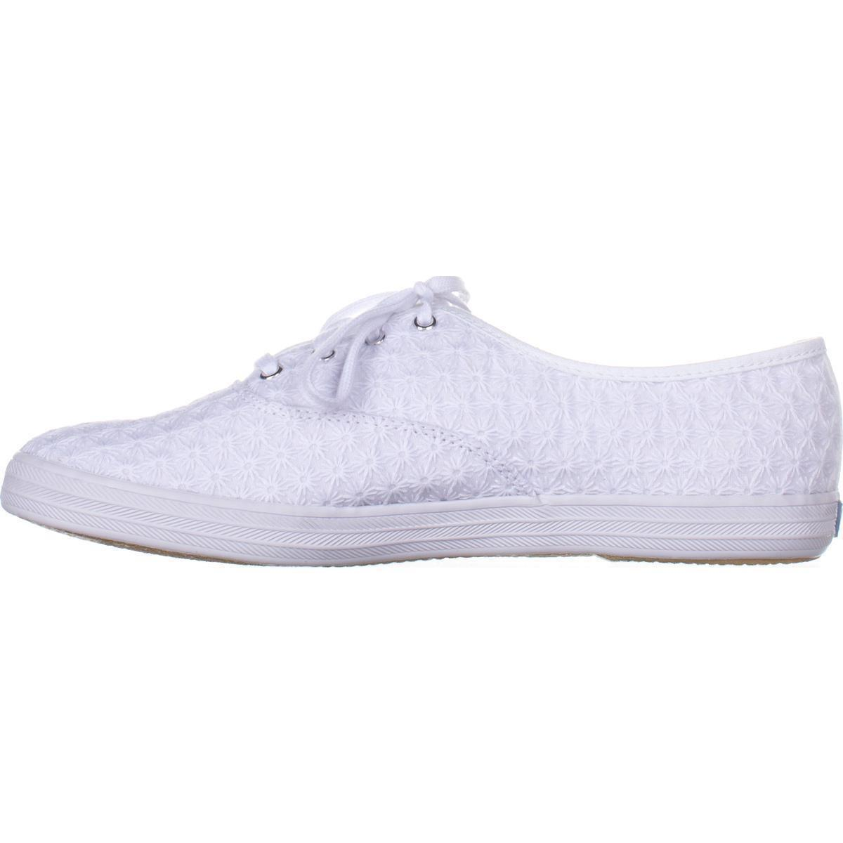 9a90c47c2c1 Lyst - Keds Champion Mini Daisy Fashion Sneakers in White