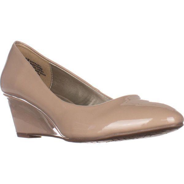 b29dafb3d66c Bandolino. Women s Natural Franci Wedge Court Shoes