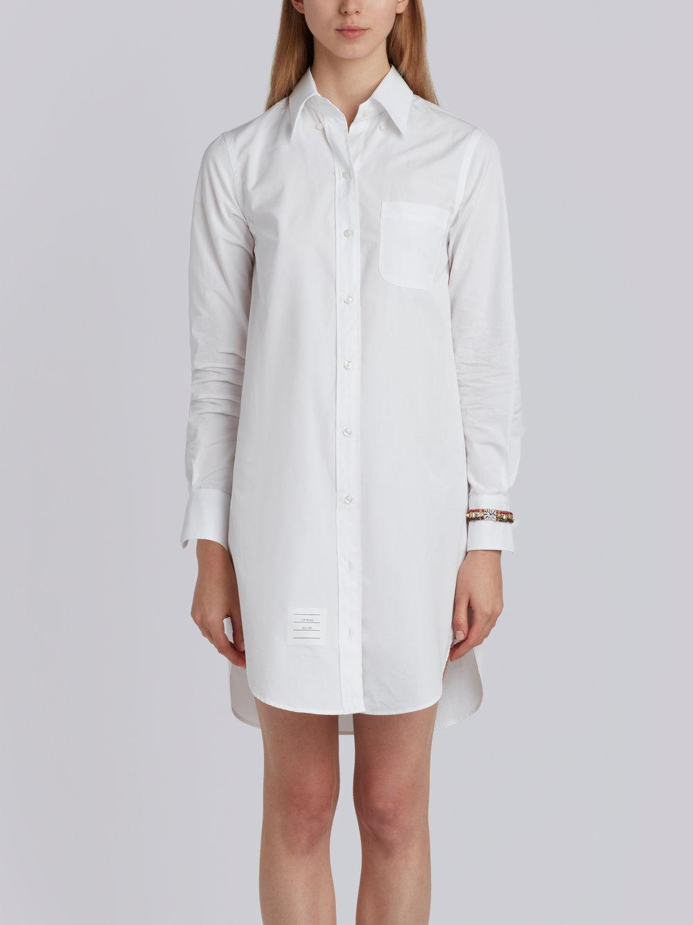 Classic Long Sleeve Button Down Point Collar Thigh Length Shirtdress With Jewelry Applique In Solid Poplin - White Thom Browne SIu3z