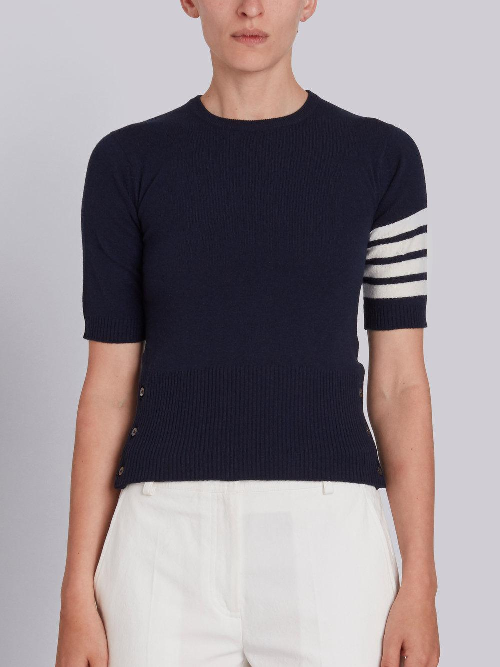 Short Crewneck Pullover With 4-Bar Stripe In Navy Blue Cashmere Thom Browne Free Shipping Top Quality Outlet Amazing Price Clearance Footaction Manchester Sale Online i9Rf8irytI