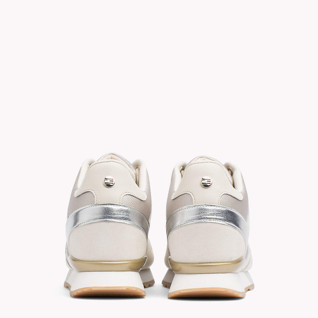 e87af910136 Tommy Hilfiger Metallic Detail Hidden Wedge Trainers in White - Lyst